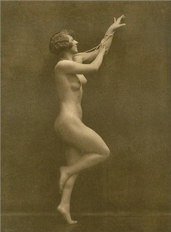 Art Deco Nude Gravure 20.jpg girl from the Follies Bergere Date circa 1920 date QS:P,+1920-00-00T00:00:00Z/9,P1480,Q5727902 Source http://search