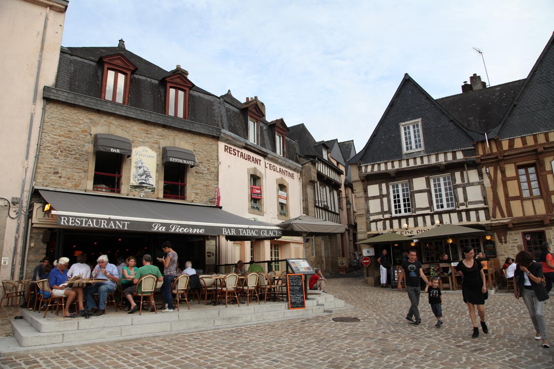 Fileauray St Goustan 19 Place St Sauveur Pa00091006 01 Jpm