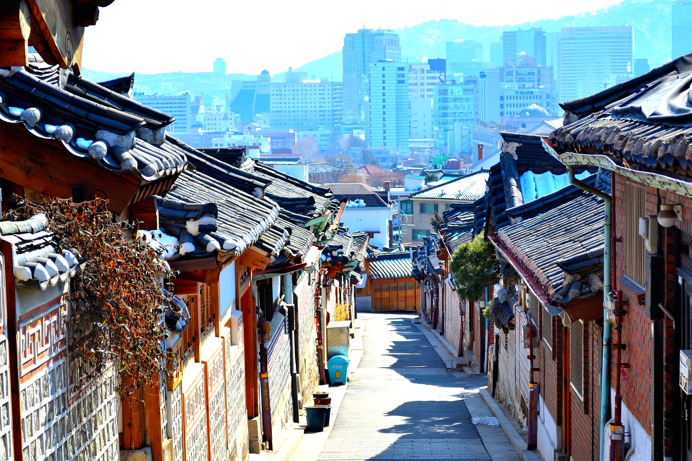 an overview of korean culture Learn about south korean culture in the rtt guide to teaching english in south korea.