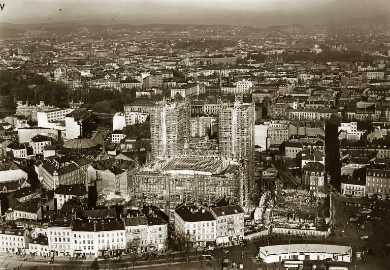 Byggingen av Rådhuset Oslo.jpg