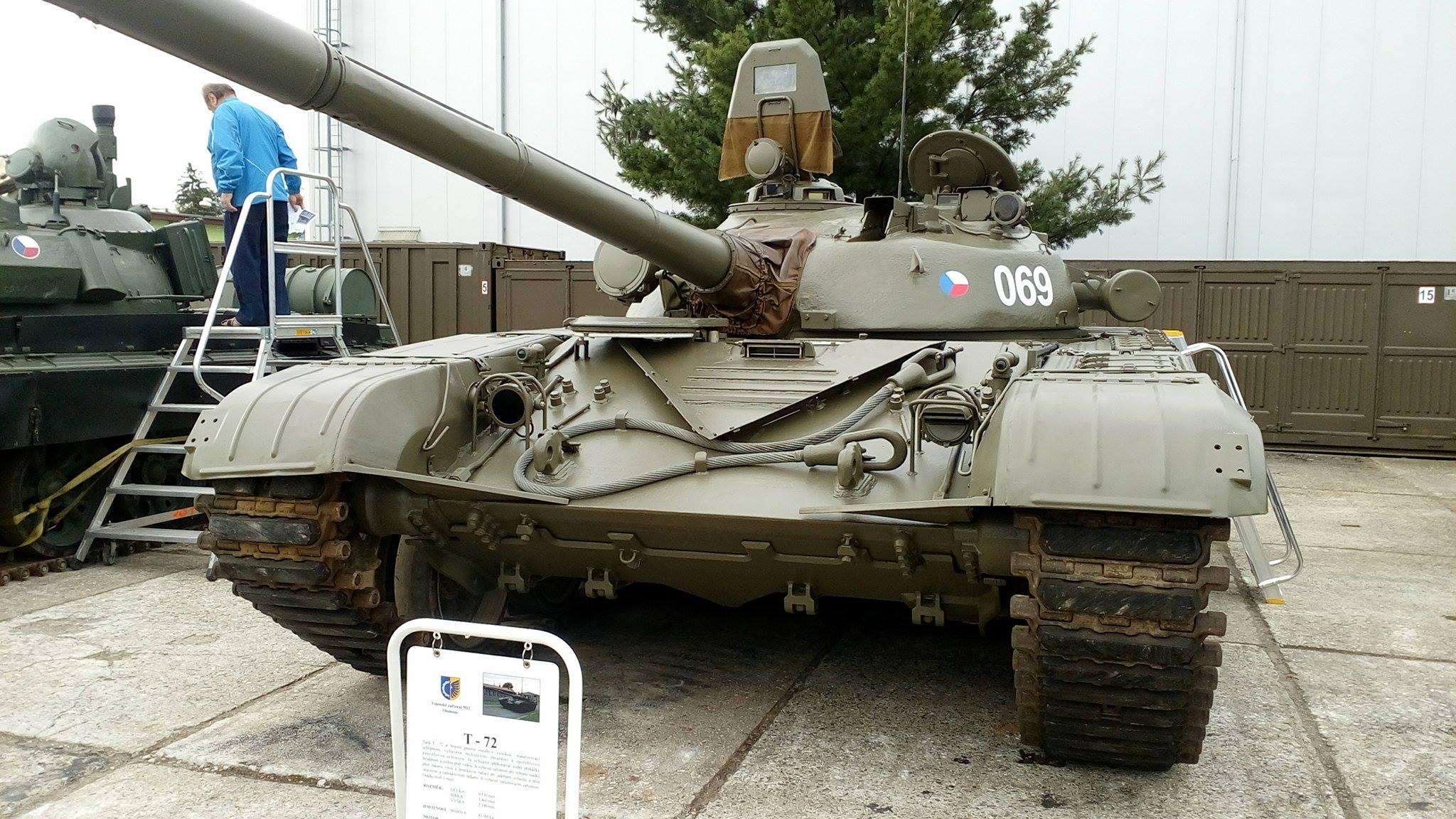 CZECH_ARMY_Tank_T-72.jpg