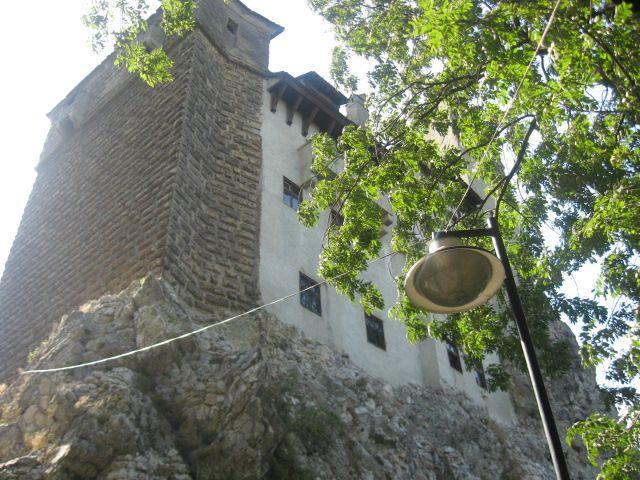 قلعة دراكولا....السياحة في اروقة الرعب Castle_bran_01.jpg
