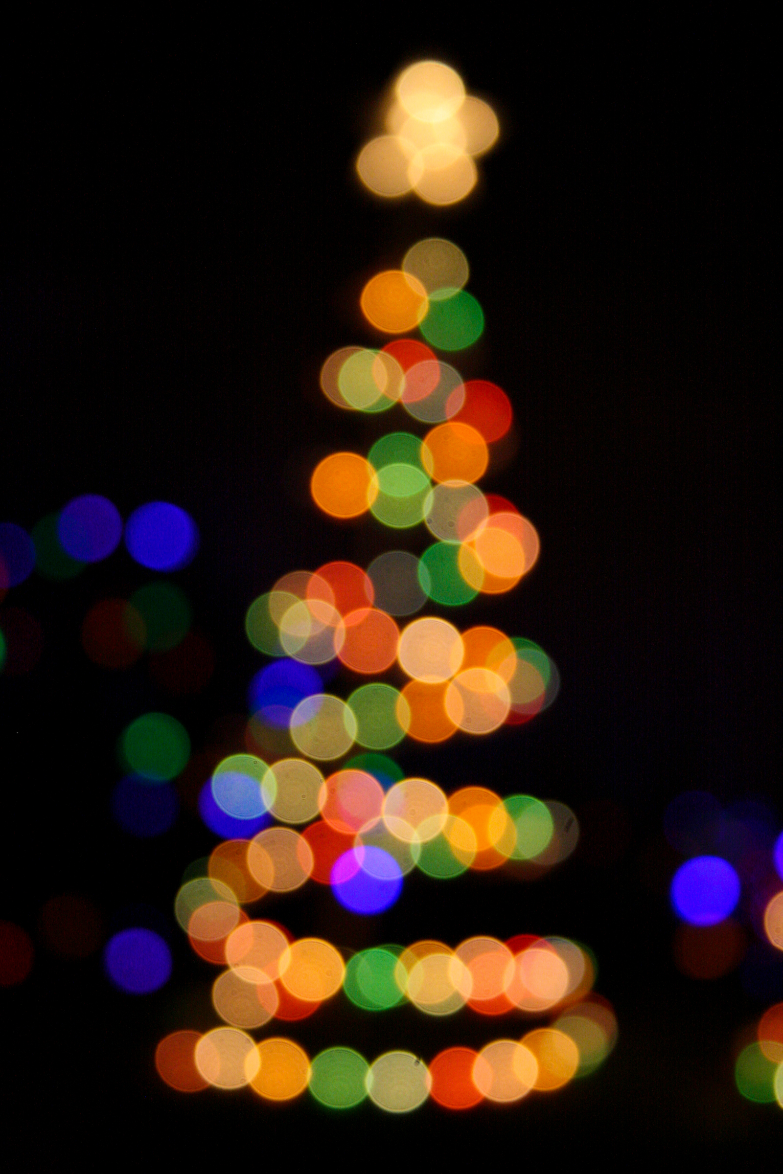 Using Christmas Lights To Decorate Living Room