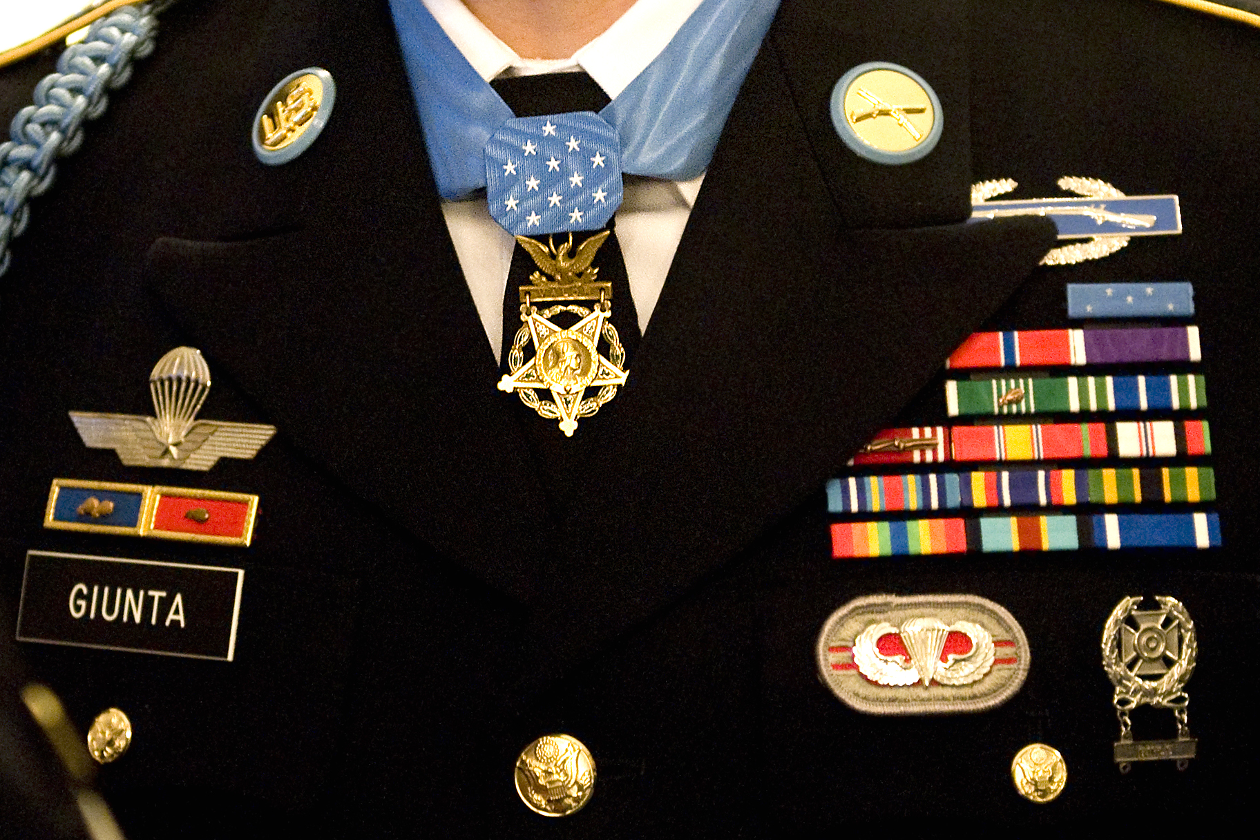 File:Close up of Salvatore Giunta's uniform with medals ...