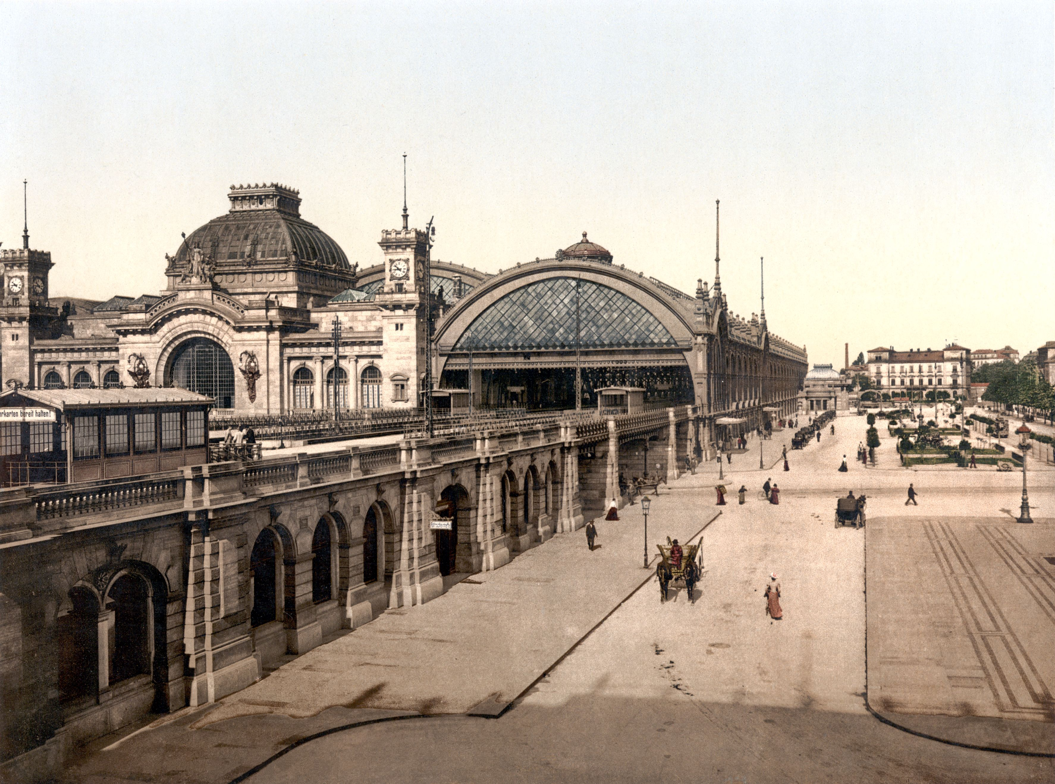 https://upload.wikimedia.org/wikipedia/commons/3/37/Dresden_Hauptbahnhof_1900.jpg