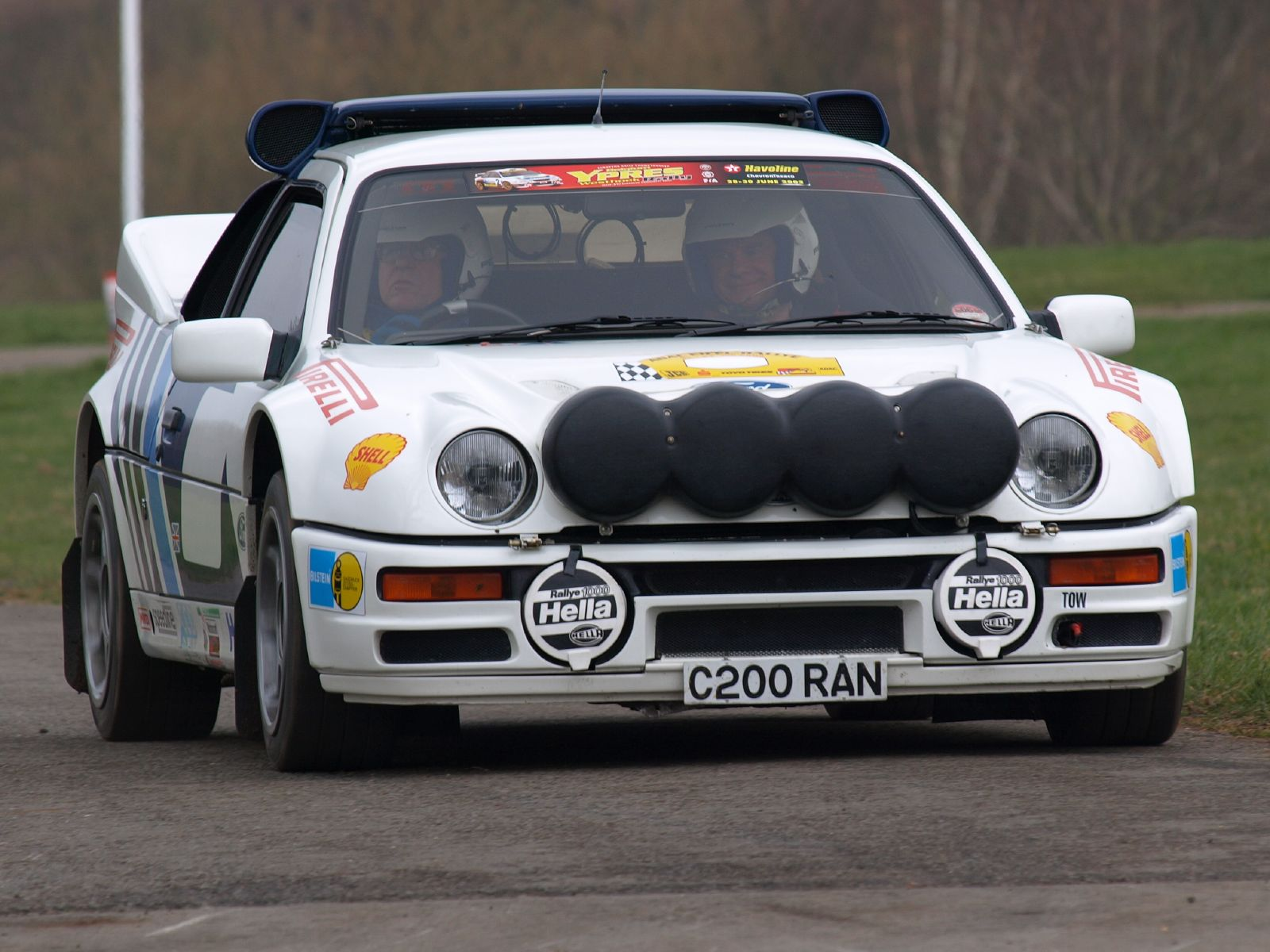Description Ford RS200 - Race Retro 2008 01.jpg