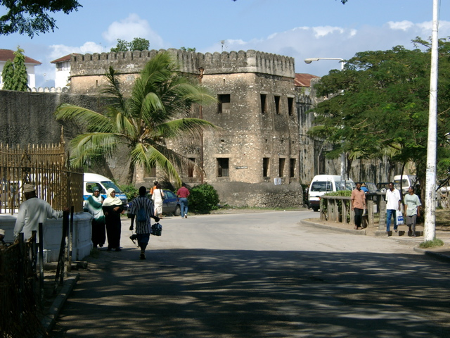 ��� �������� ������ �� ���� ����� ������ Fort-Zanzibar.jpg