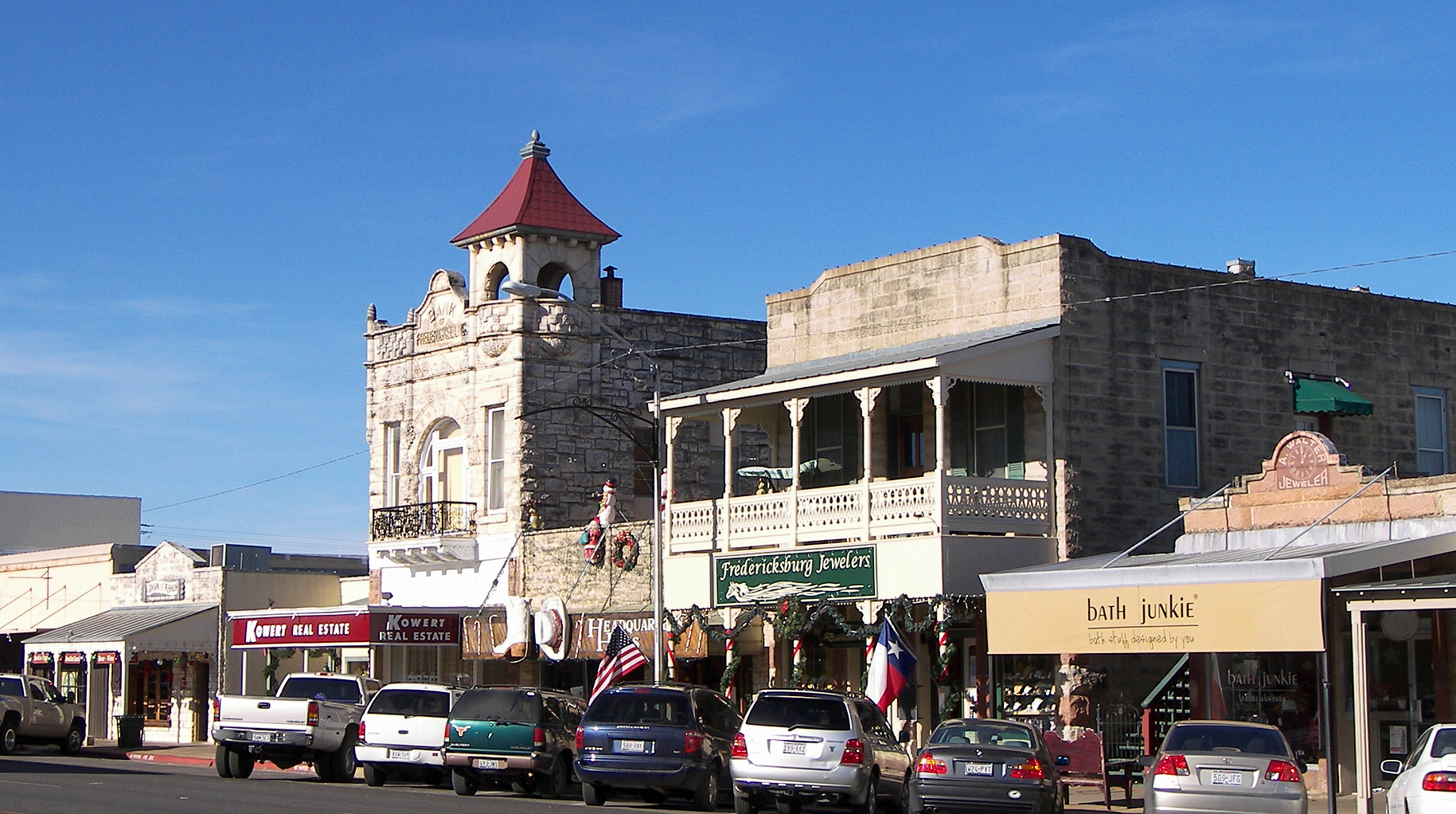 fredericksburg friendliest small towns