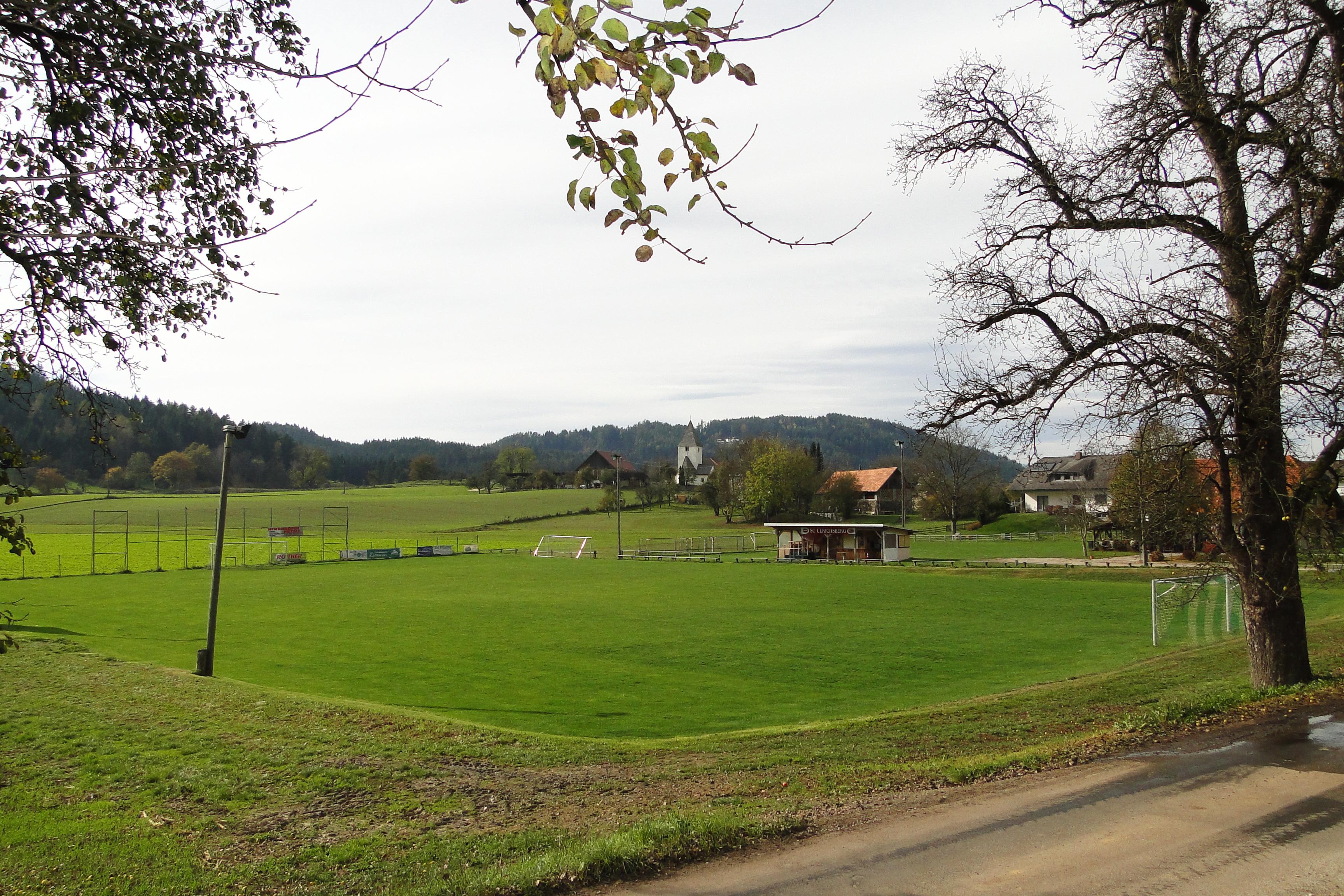 File Fussballplatz Des Sc Ulrichsberg In Klagenfurt Wolfnitz