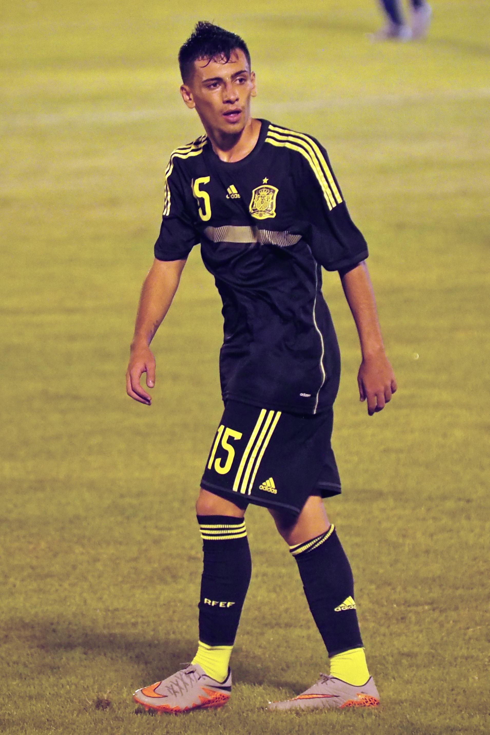 https://upload.wikimedia.org/wikipedia/commons/3/37/Gaspar_Panadero_SBS_Cup_2015.jpg