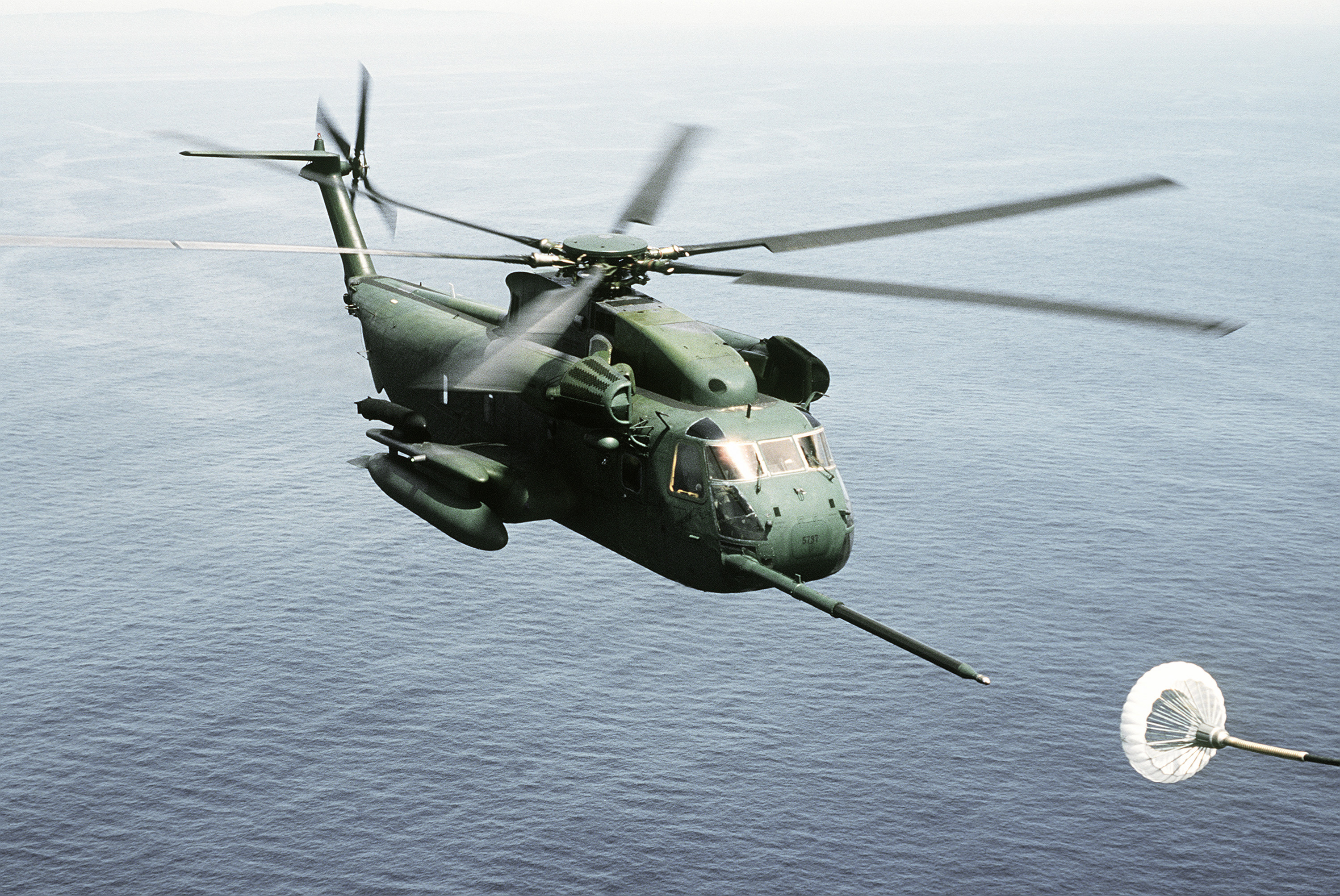 super jolly green giant helicopter with File Hh 53c 67th Arrs Approaching Tanker 1987 on File HH 53C 67th ARRS approaching tanker 1987 together with Hd Army Wallpapers Free Download besides S 65H 53D 20SEA 20STALLION besides Showthread also Super Powerful Us Military Ch 53 Military Transport Helicopter Aircraft.