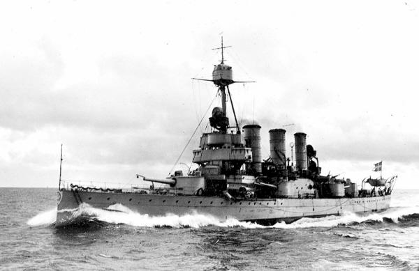 HMS_Oscar_II_2.JPG