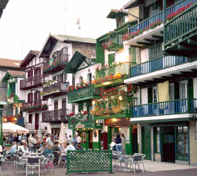 File hondarribia wikipedia - Casas pais vasco ...