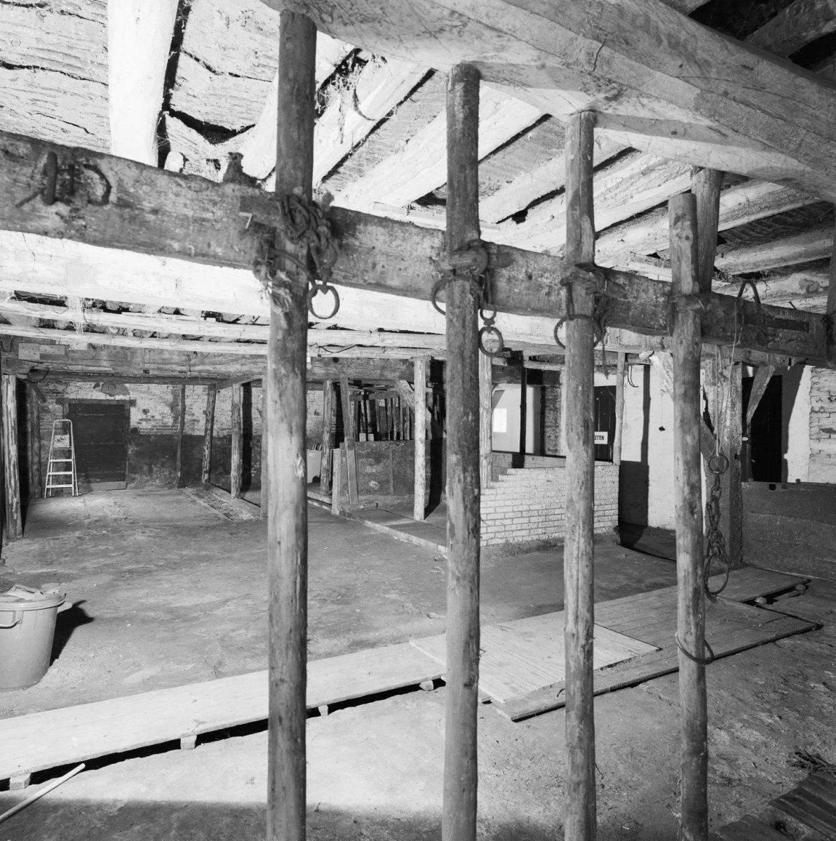 File interieur boerderij overzicht middendeel met for Boerderij interieur