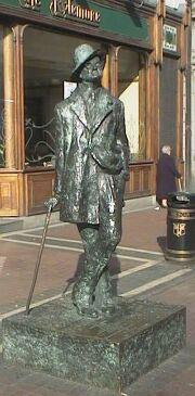 Beeld van James Joyce in Dublin.