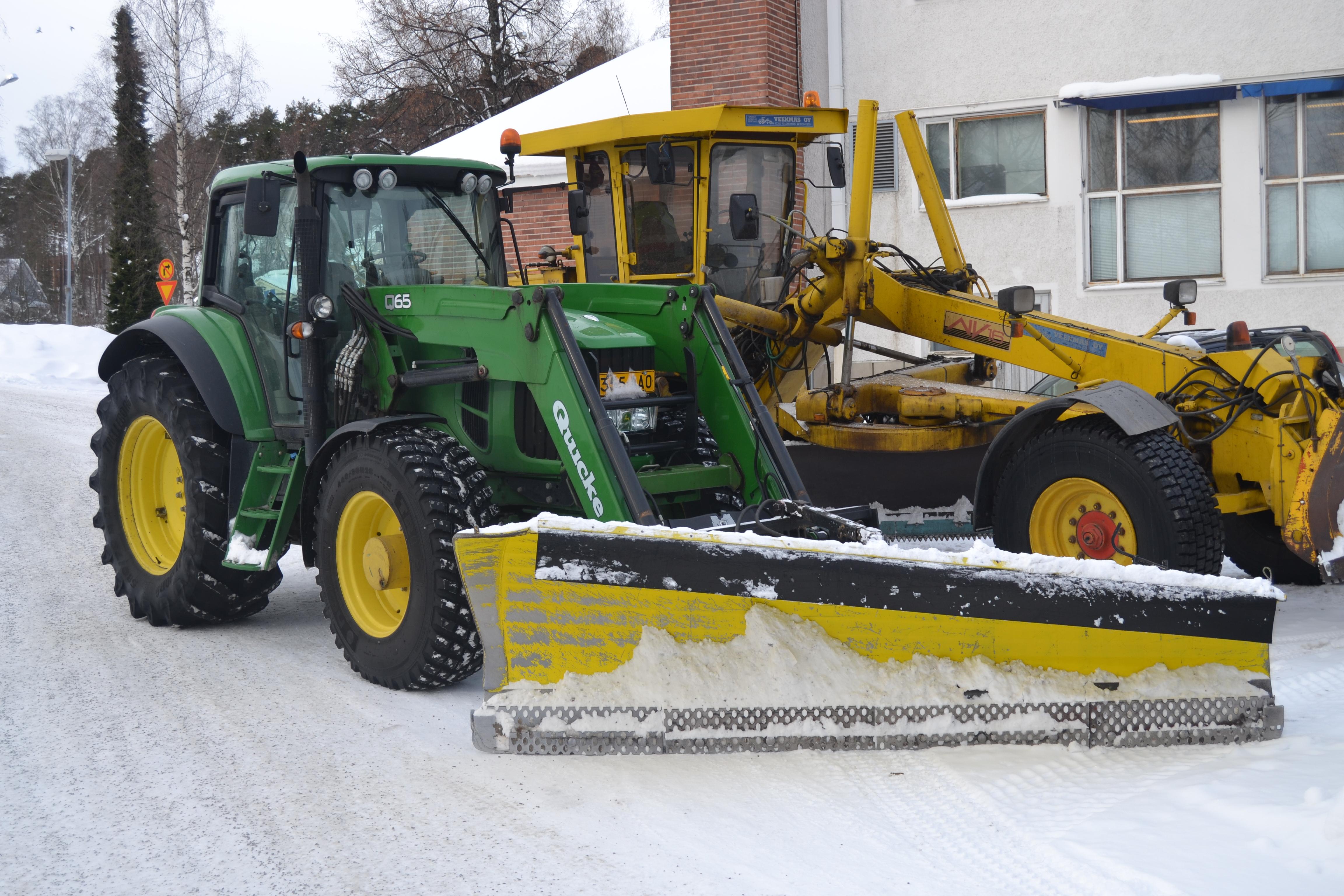 John Deere Snow Plow : File john deere with snowplow g wikimedia commons