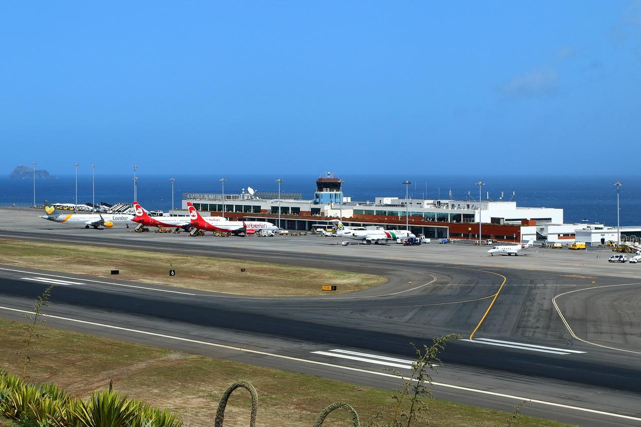 Aeroporto Madeira : Aeroporto da madeira wikipédia a enciclopédia livre