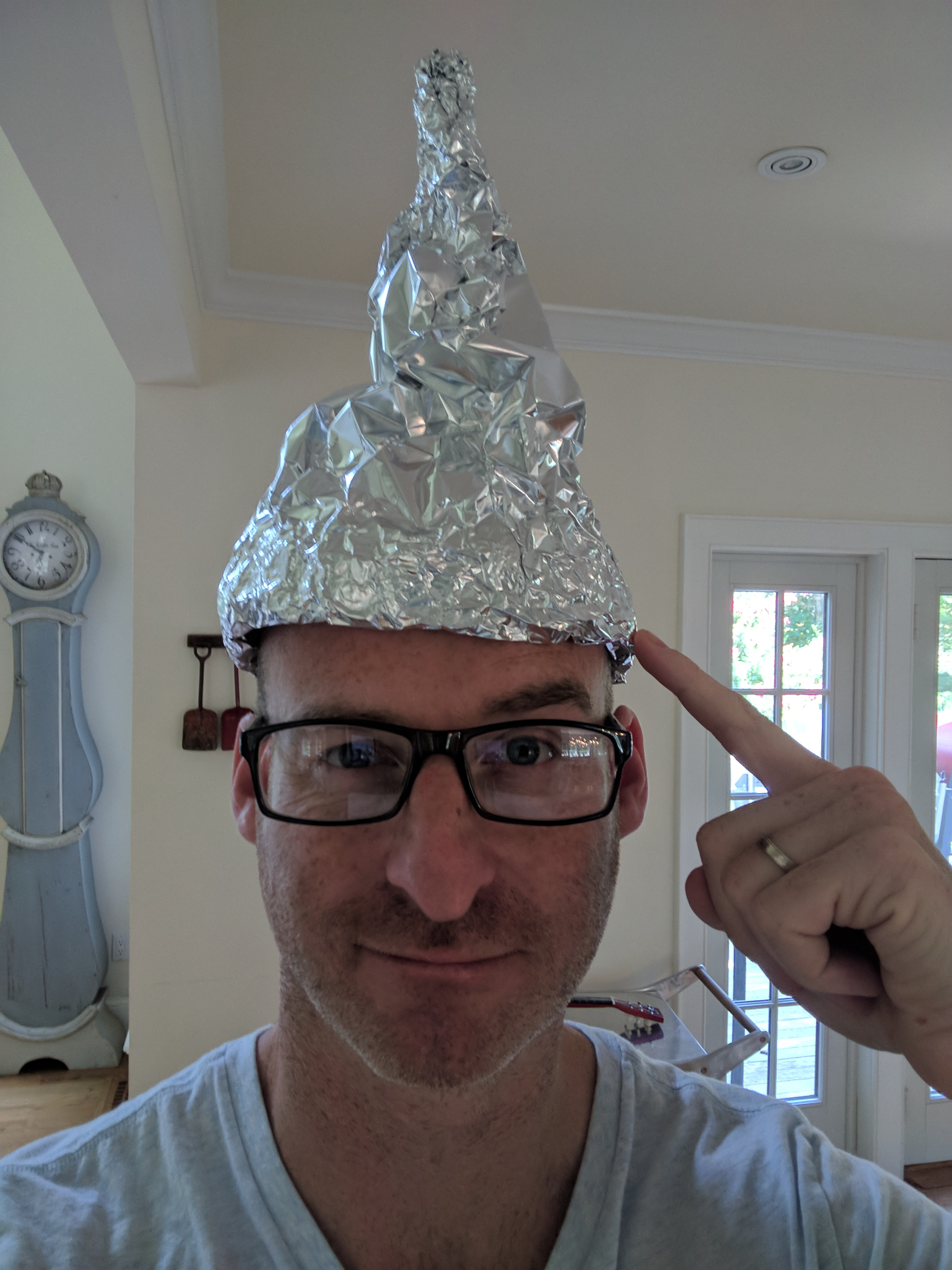 Tin foil hat - Wikipedia