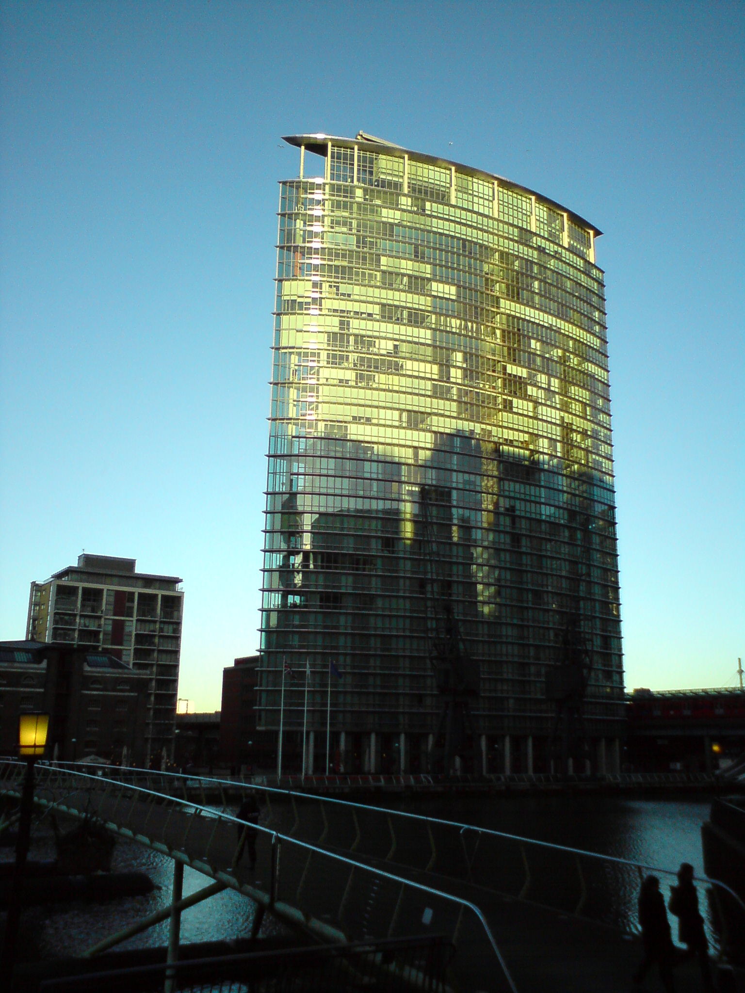 File Marriott Hotel In Canary Wharf London Jpg