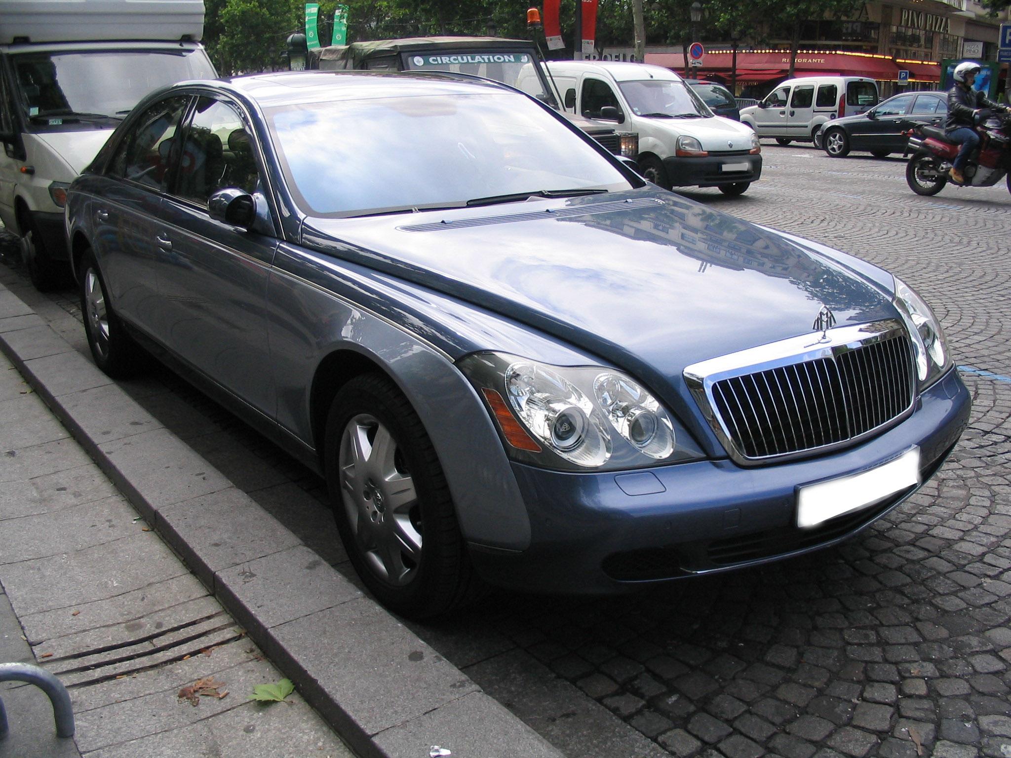 Жители России покупают больше роскошных авто