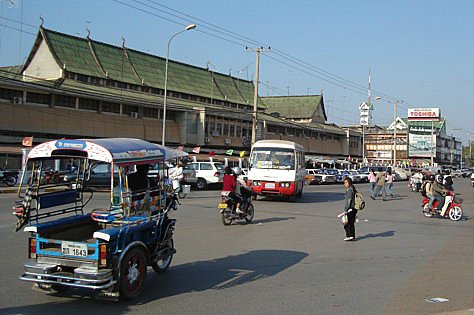 Morning market in Vientiane.JPG
