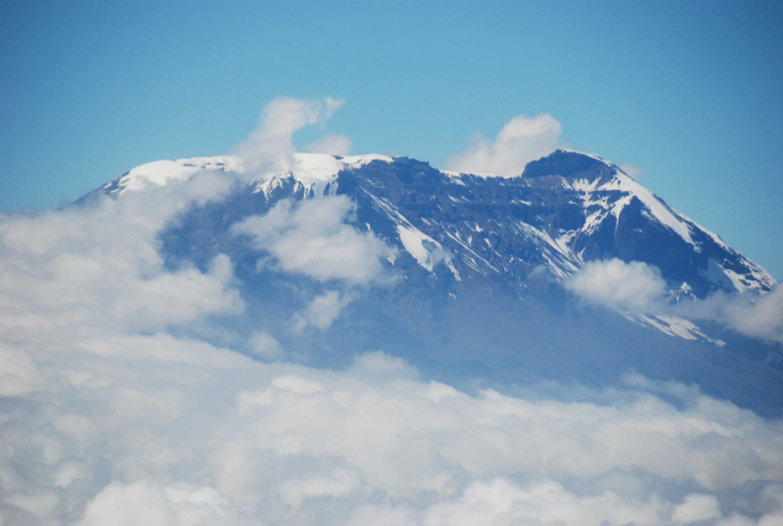 Fitxer:Mount Kilimanjaro 2007.jpg