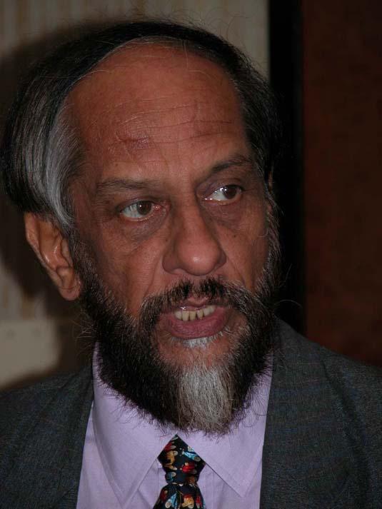 Rajendra Pachauri mottar Nobels fredspris 2007 på vegne av FNs klimapanel (IPCC)