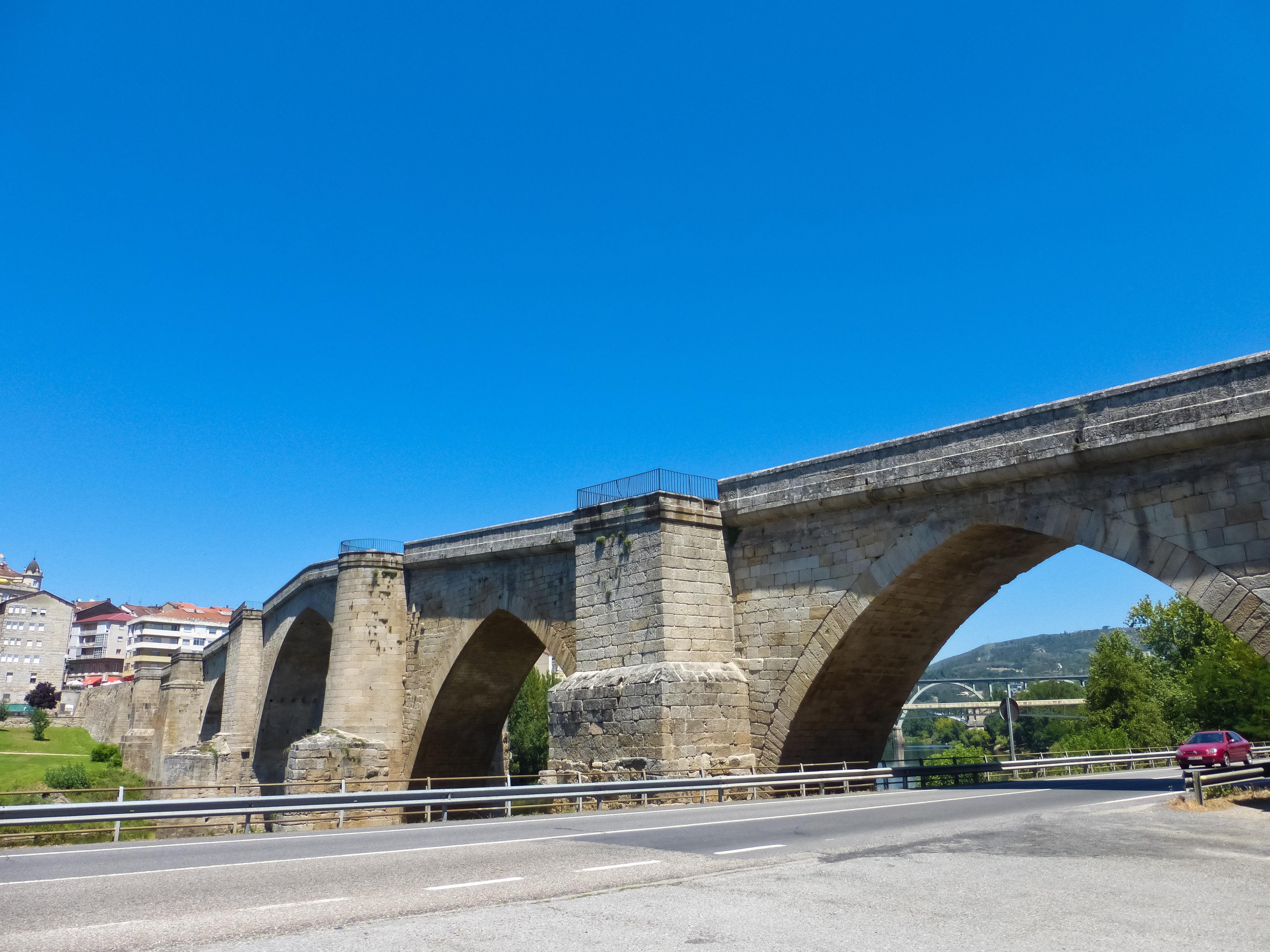 File:Puente Medieval de Orense 1.jpg - Wikimedia Commons