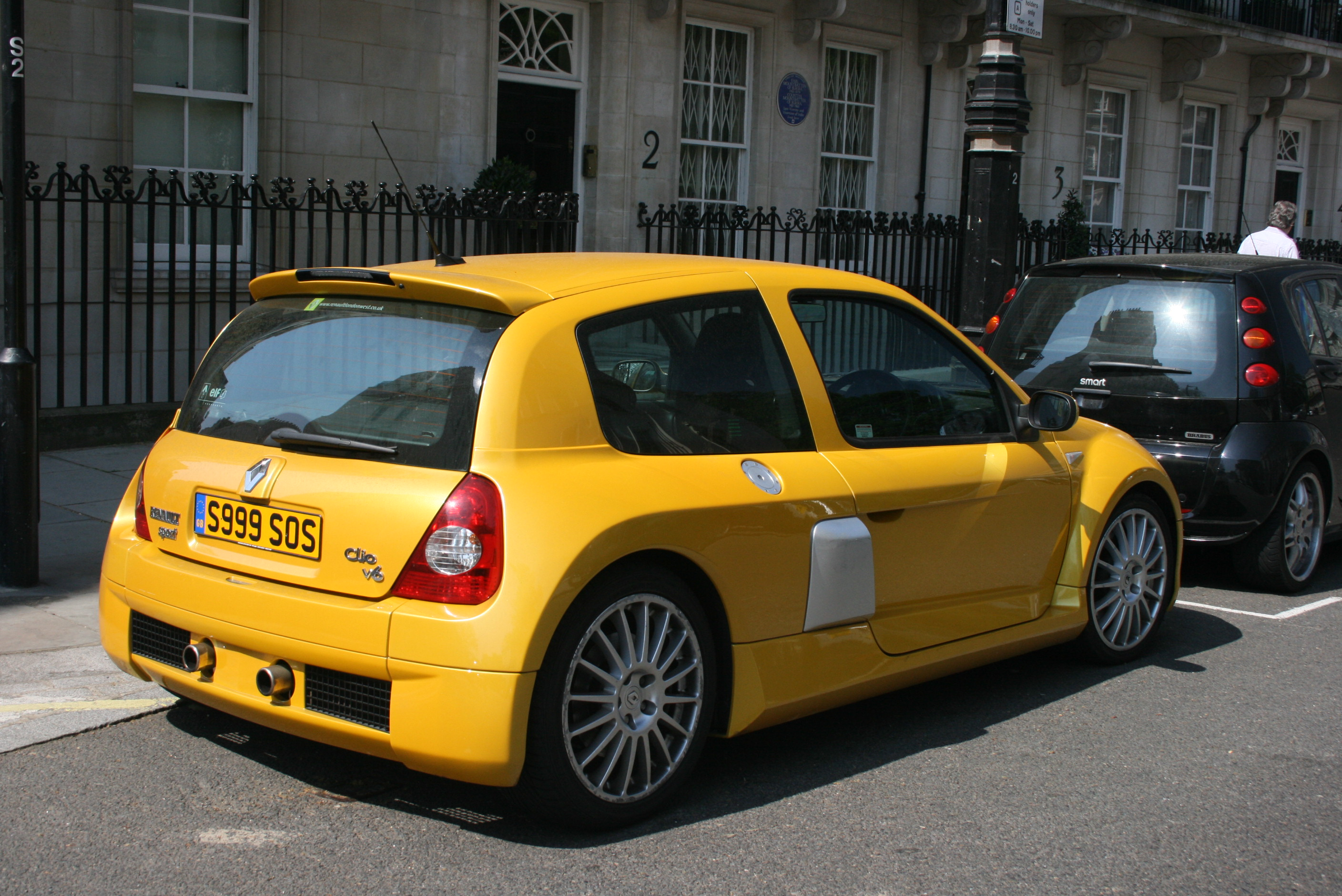 file renault clio v6 knightsbridge flickr. Black Bedroom Furniture Sets. Home Design Ideas