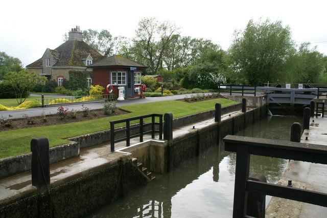 Rushey Lock - geograph.org.uk - 911408