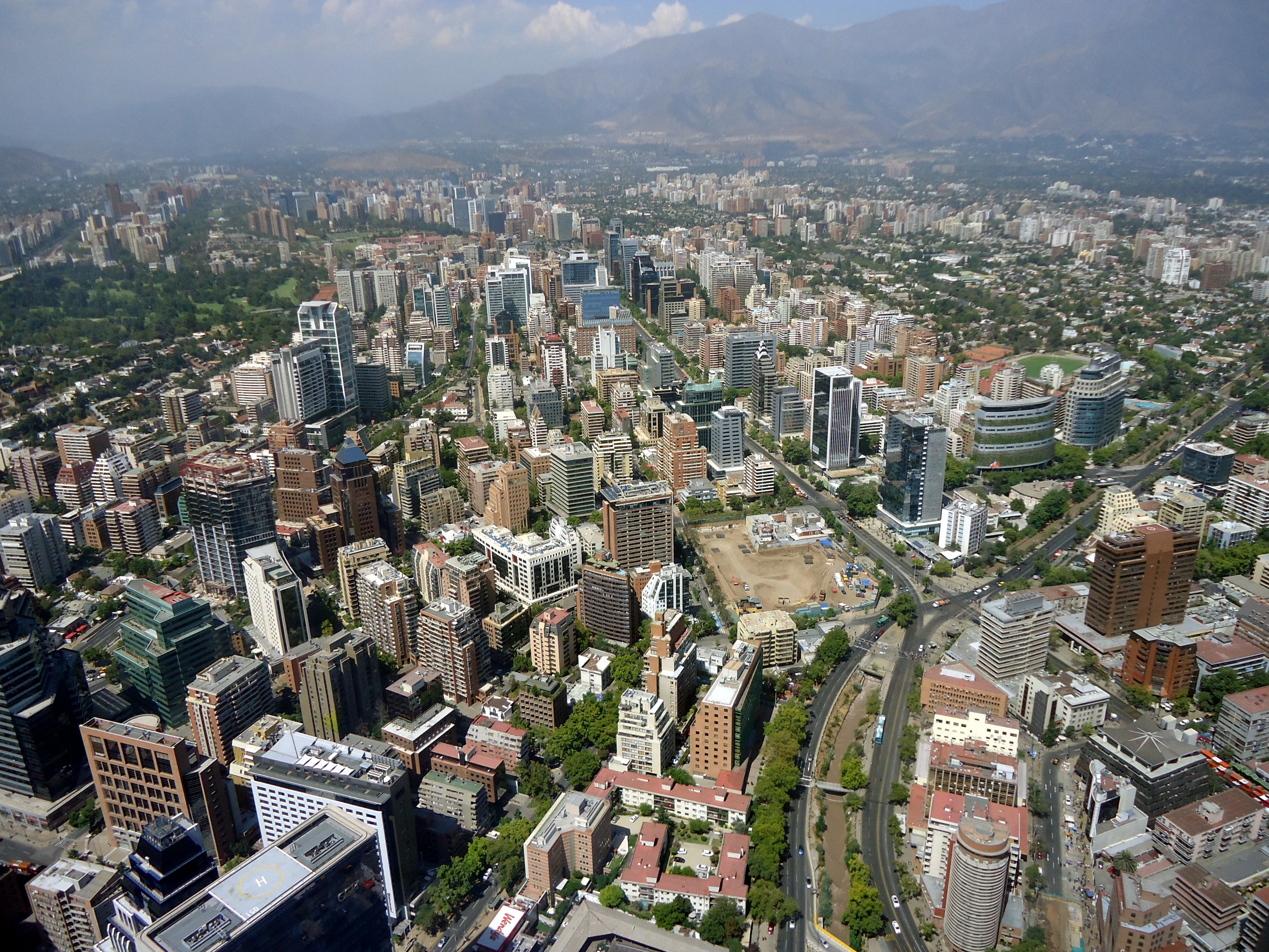 Ficheiro:Santiago de Chile from Gran torre Santiago, Apoquindo and Tobalaba Avenues.JPG – Wikipédia, a enciclopédia livre