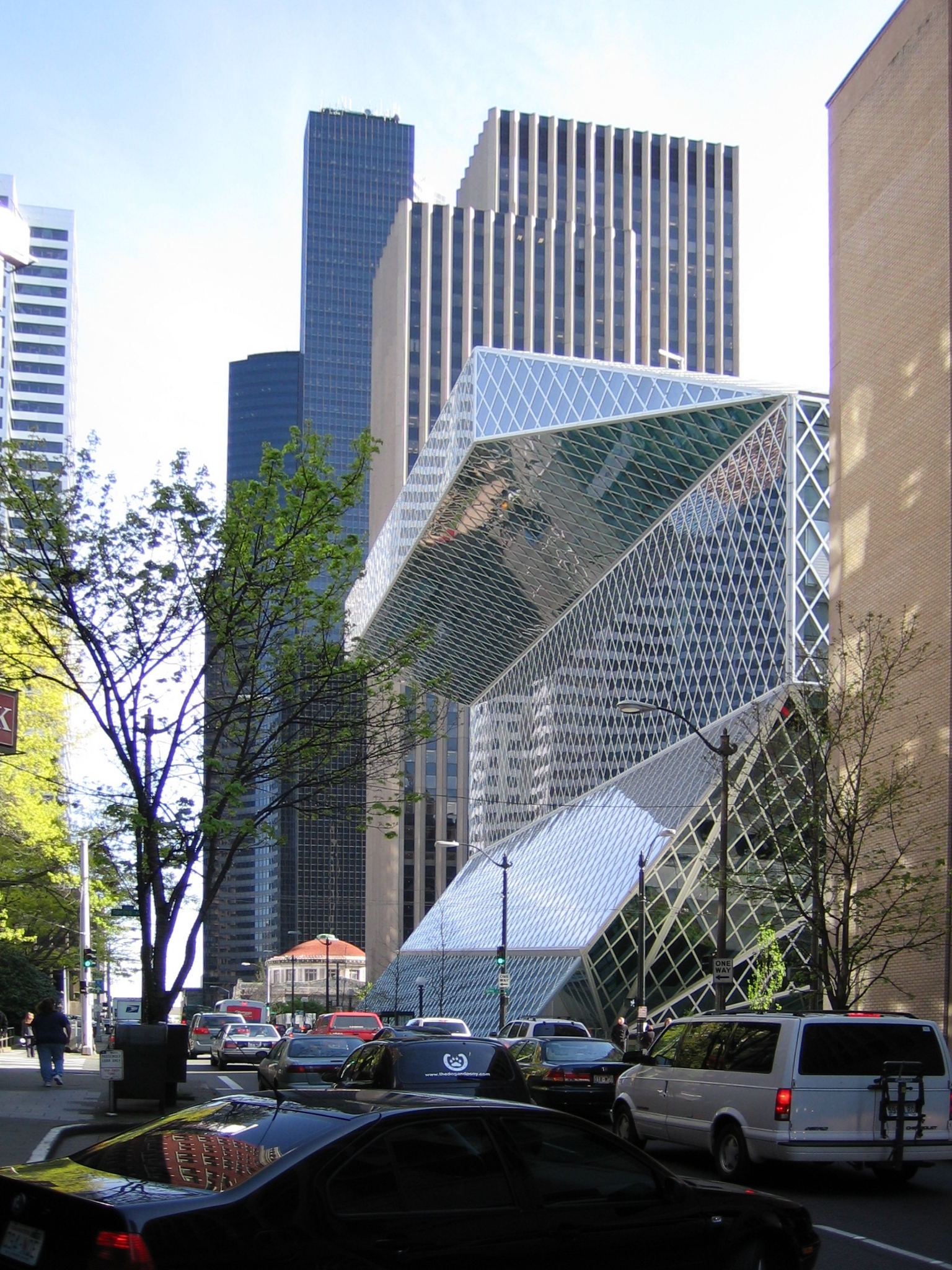 file seattle central library by architect rem koolhaas view from 5th wikipedia. Black Bedroom Furniture Sets. Home Design Ideas