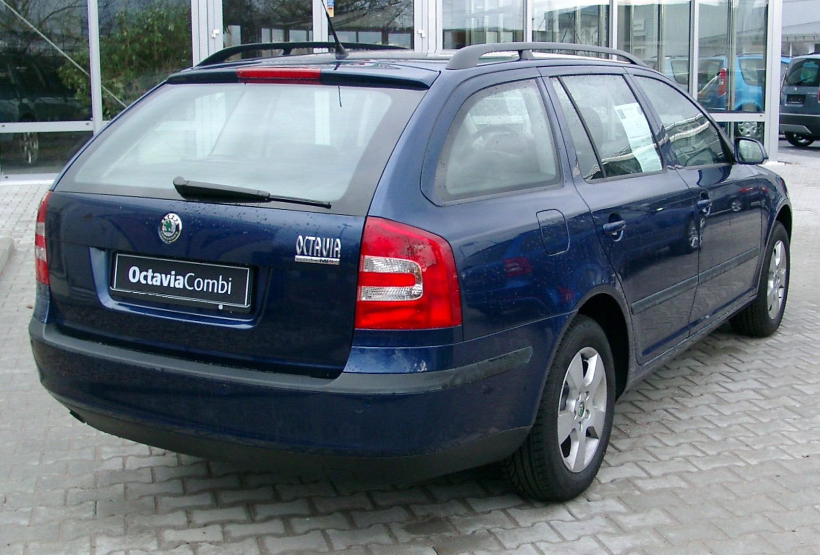 rank skoda car pictures skoda octavia combi. Black Bedroom Furniture Sets. Home Design Ideas
