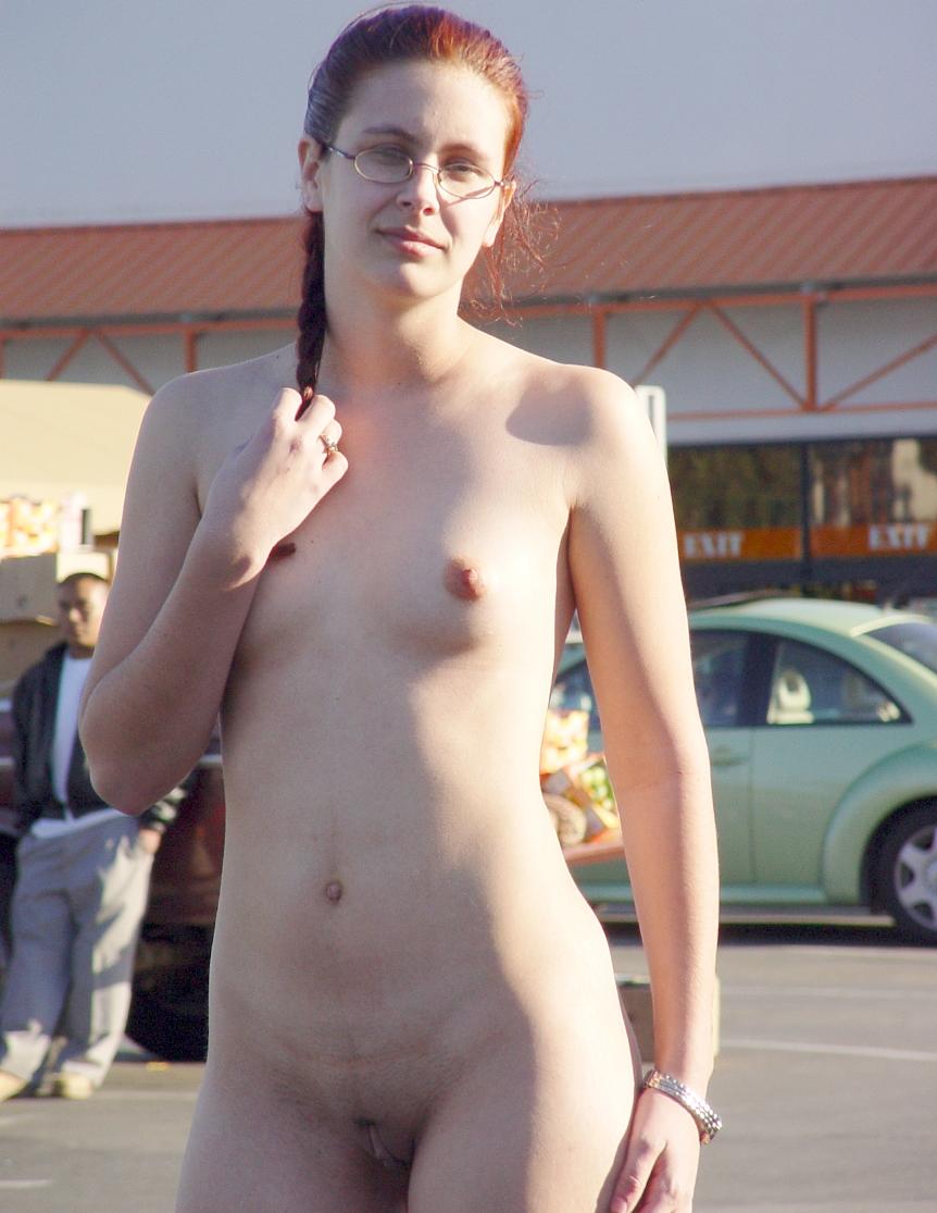 Photos of naked girls boobs
