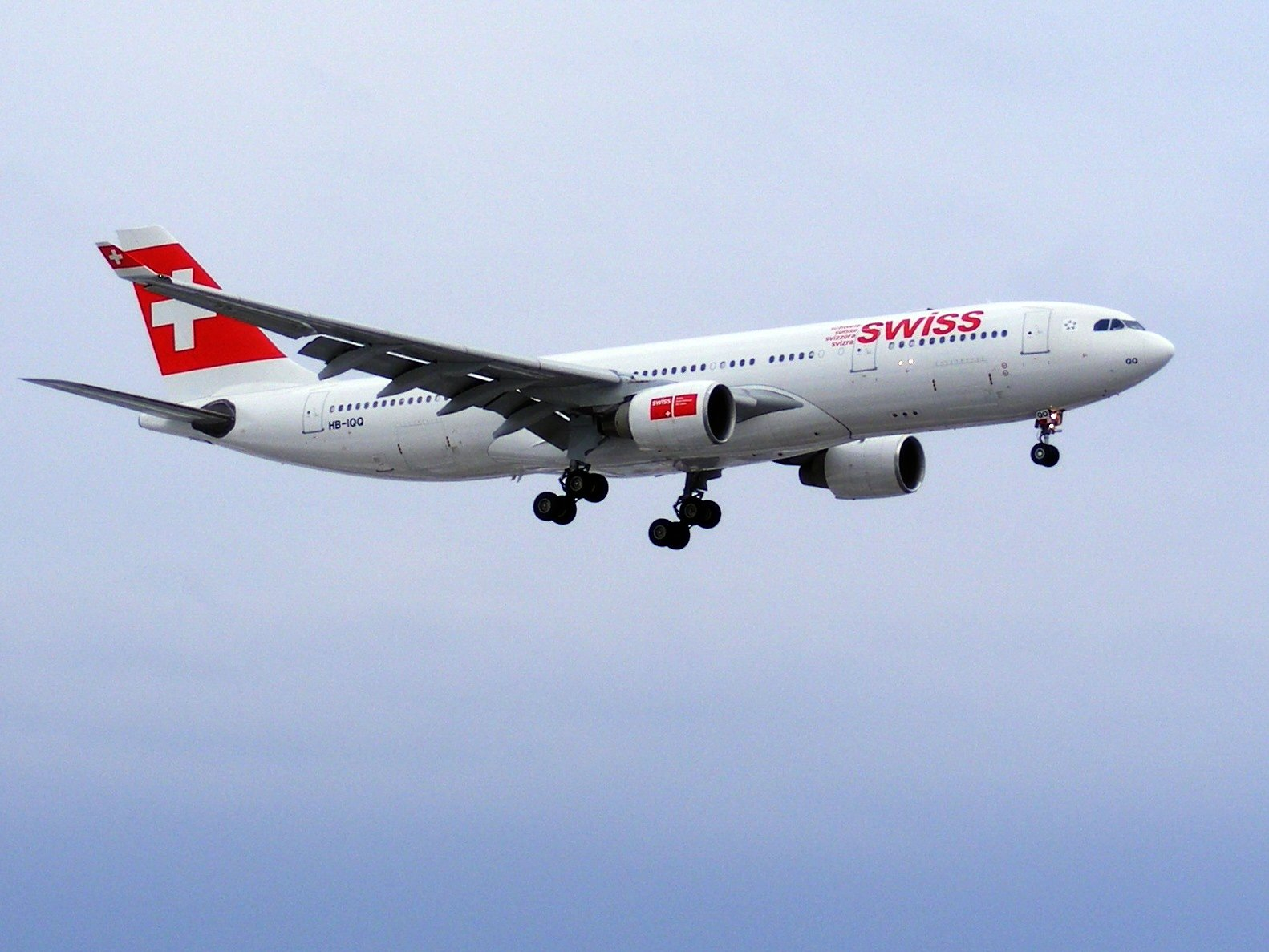 http://upload.wikimedia.org/wikipedia/commons/3/37/Swiss_Airbus_A330-223_(HB-IQQ).jpg
