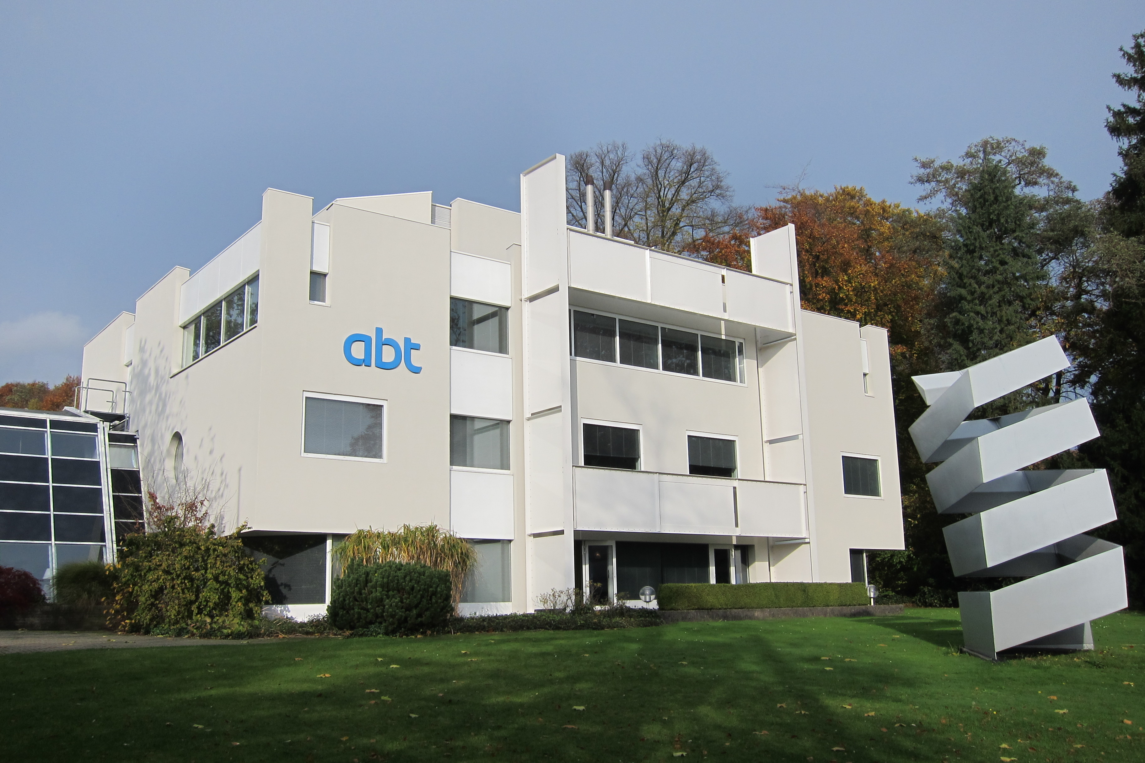 File:The ABT main office and art in the garden at Velp - panoramio ...