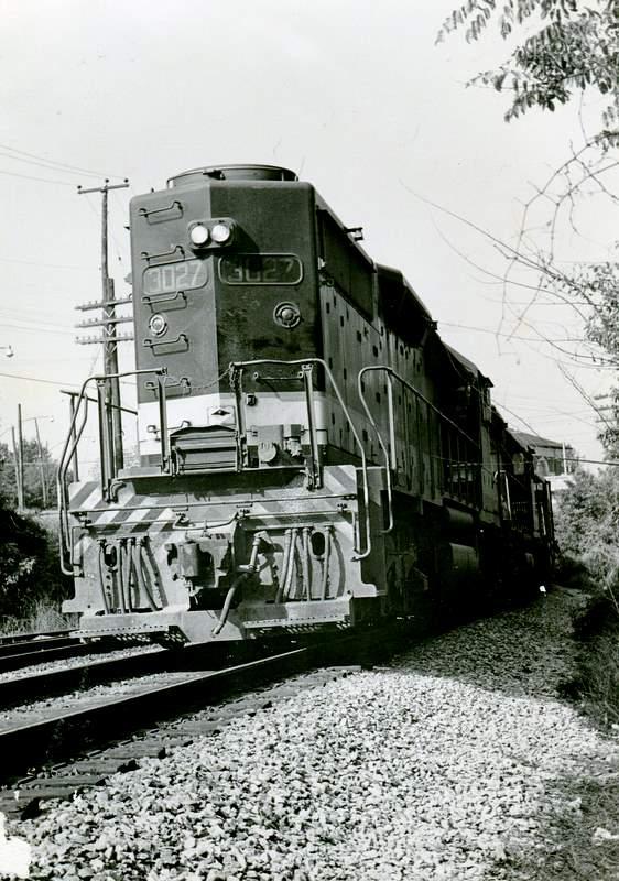 Burlington northern railroad emd sdp45 diesel locomotive for Electro motive division of general motors
