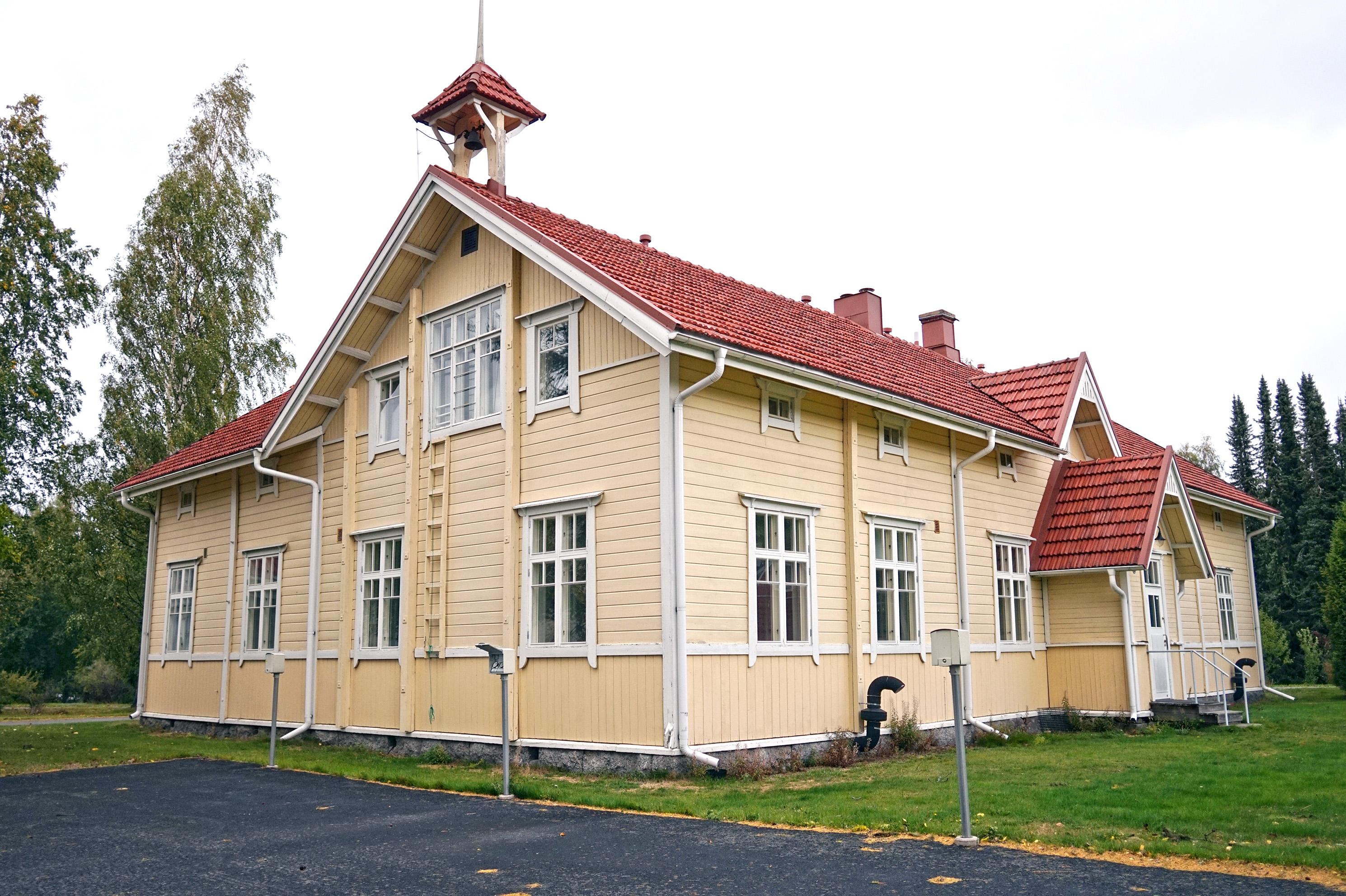 Tuomarniemi - kurssirakennus.jpg