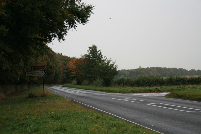 File:Turning to Chadlington - geograph.org.uk - 1549842.jpg