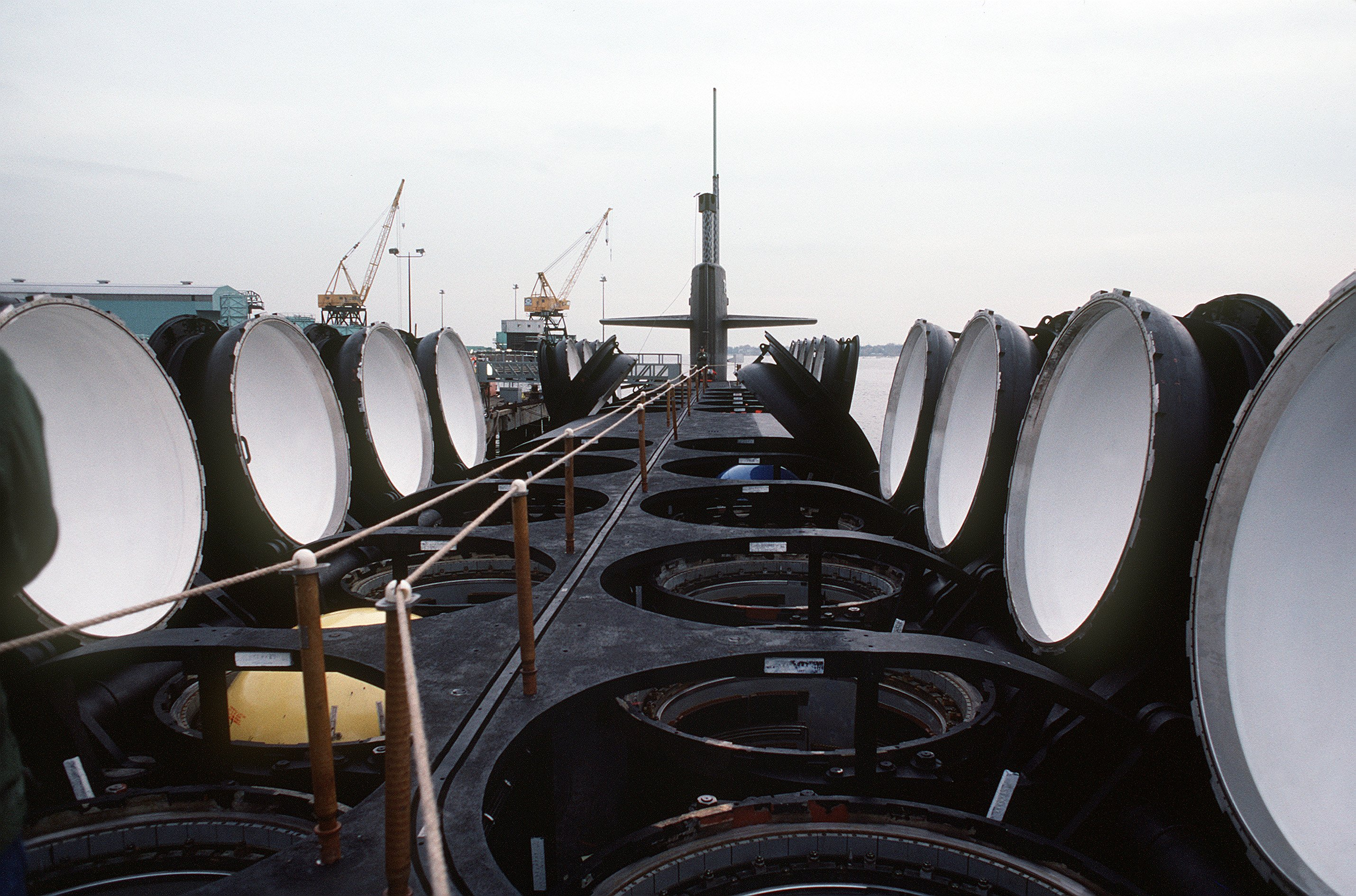 ロサンゼルス級原子力潜水艦の画像 p1_38