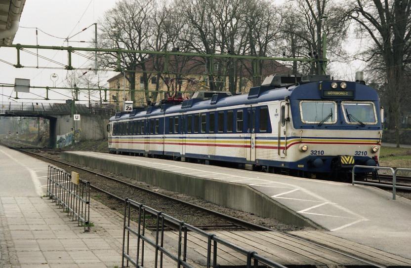 Description Vänersborg-x11-tåg.jpg