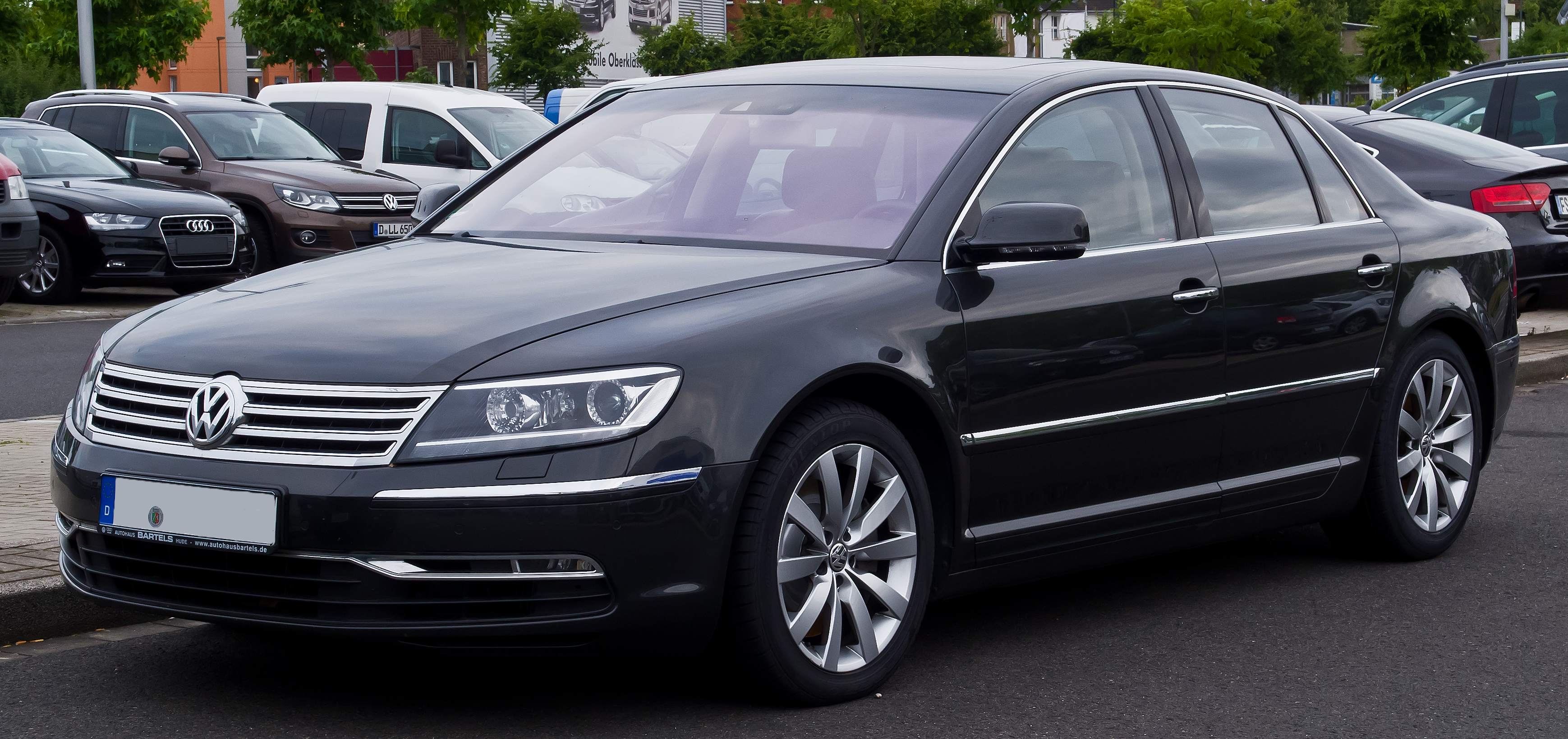 file vw phaeton 3 0 v6 tdi 4motion 2 facelift frontansicht 20 juni 2014 d. Black Bedroom Furniture Sets. Home Design Ideas