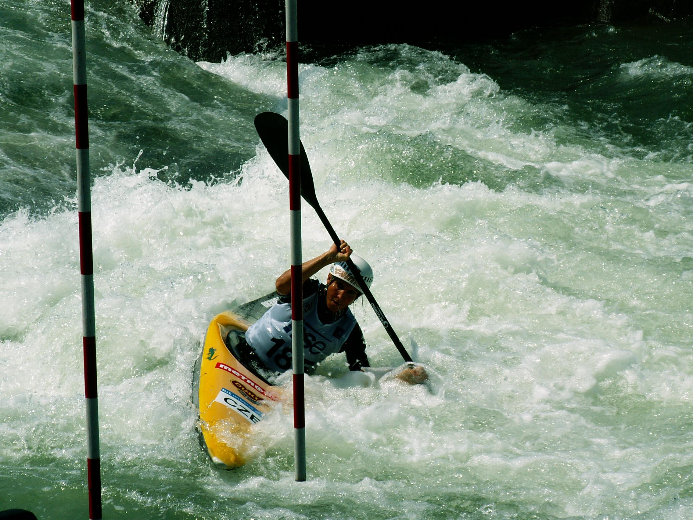 Filewhitewater Kayakjpg Wikimedia Commons