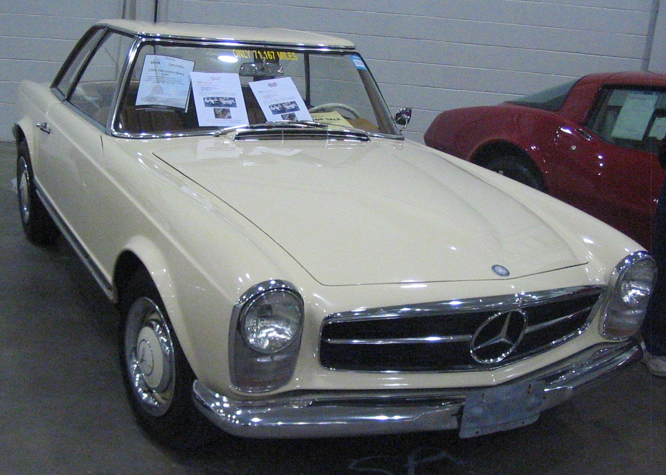 File 39 66 mercedes benz sl class toronto spring 39 12 for Mercedes benz classic cars
