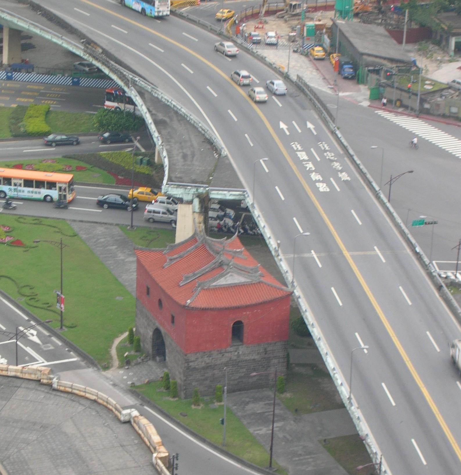 台北城北門North Gate - panoramio.jpg