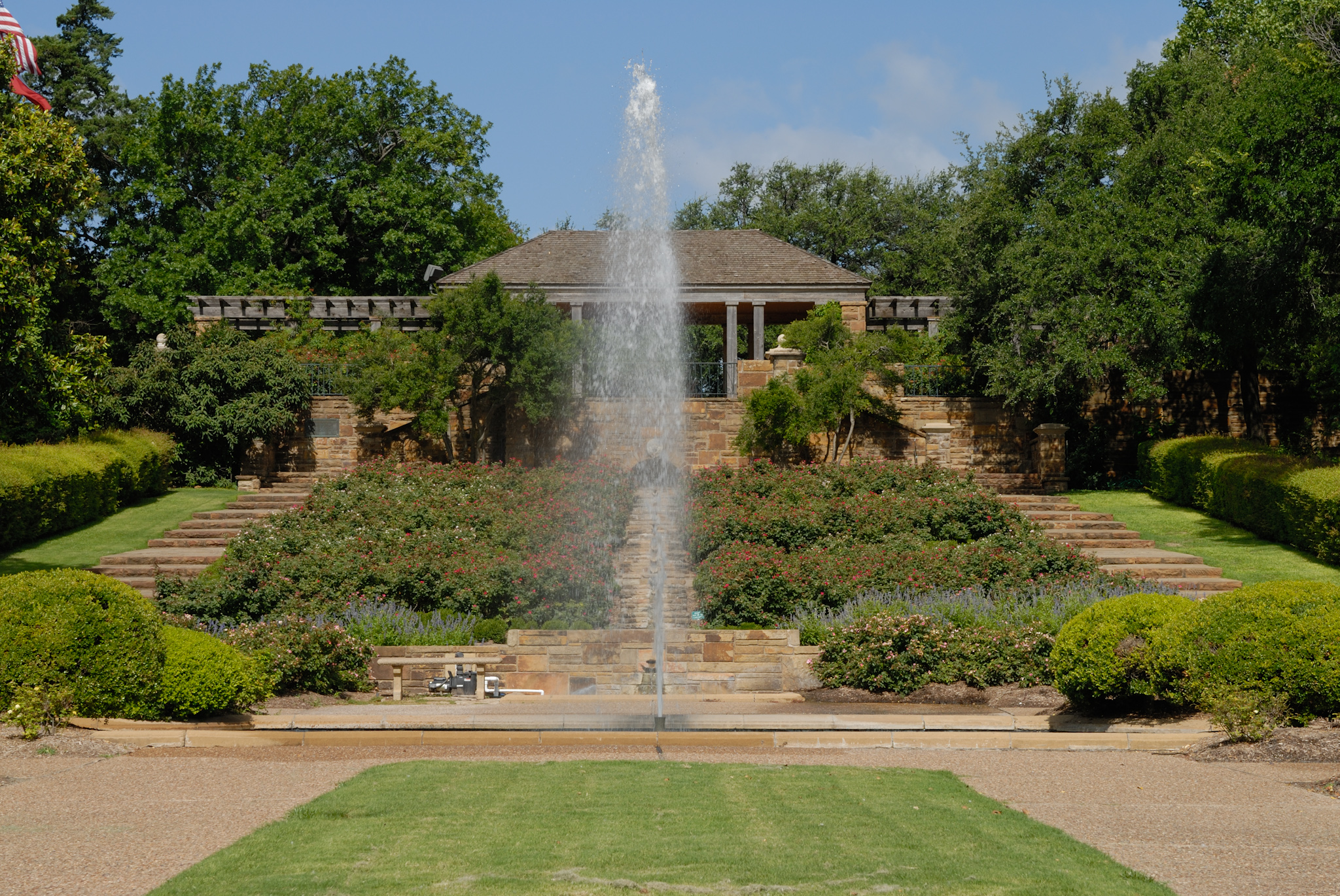 File:0011Fort Worth Botanic Garden Rose Ramp E Texas