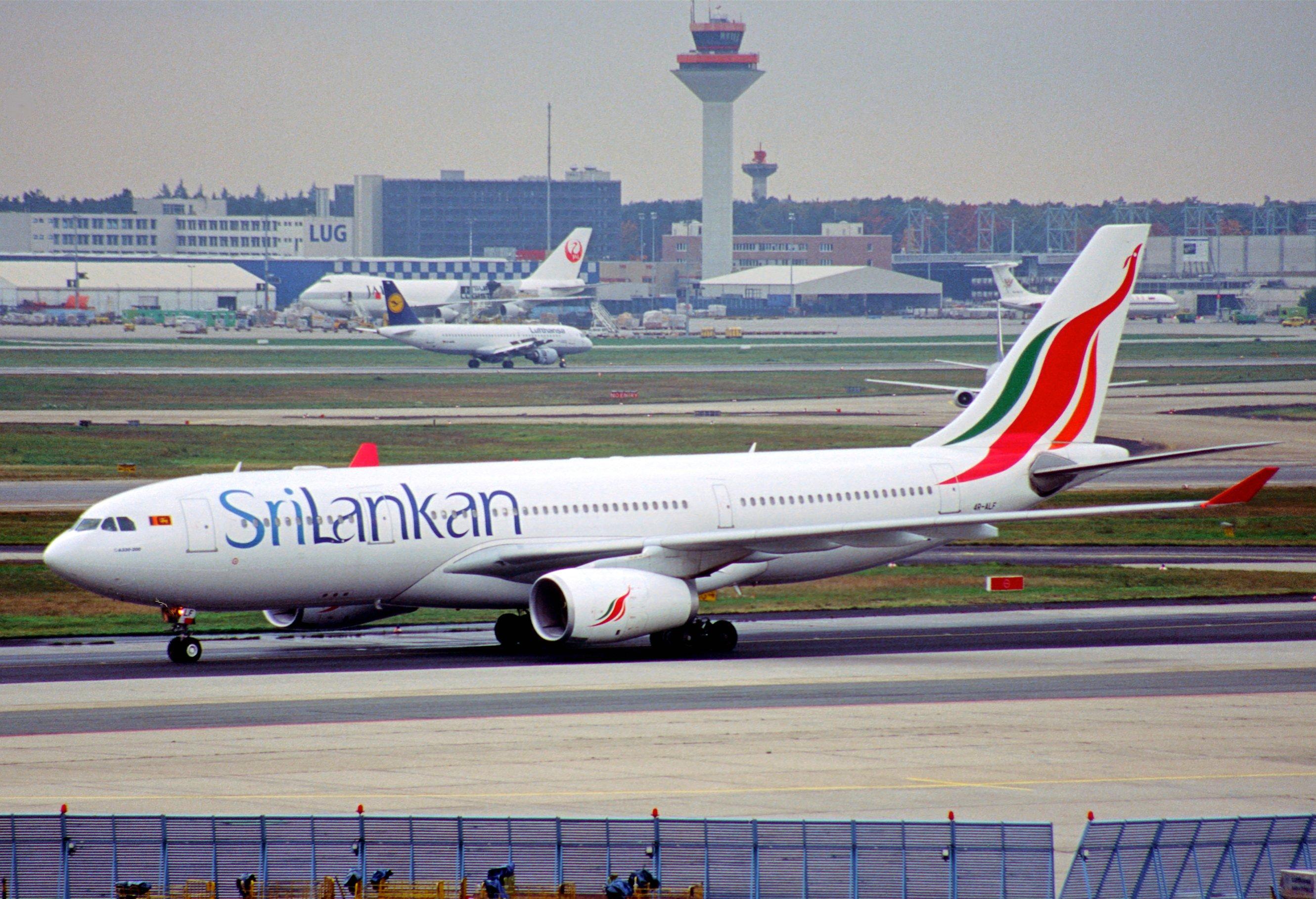 File:113ad - SriLankan Airlines Airbus A330-243, 4R-ALF@FRA,20.10 ...