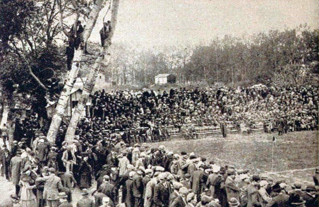 Fichier:1921, Le Terrain Bitterois Comble Pour La Finale Du Championat De  France De