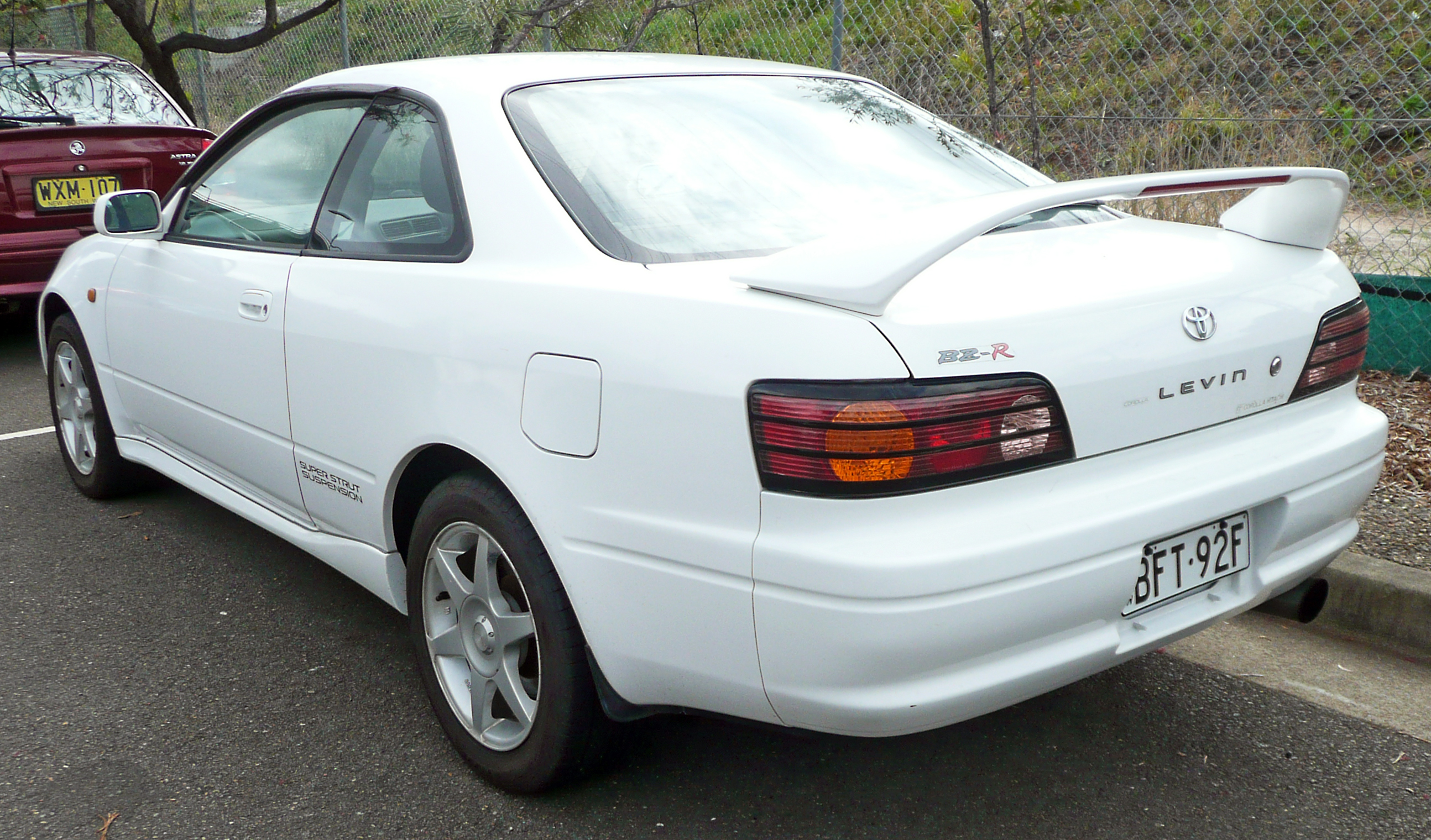 File:1997 2000 Toyota Corolla Levin (AE111) BZ R Coupe 02