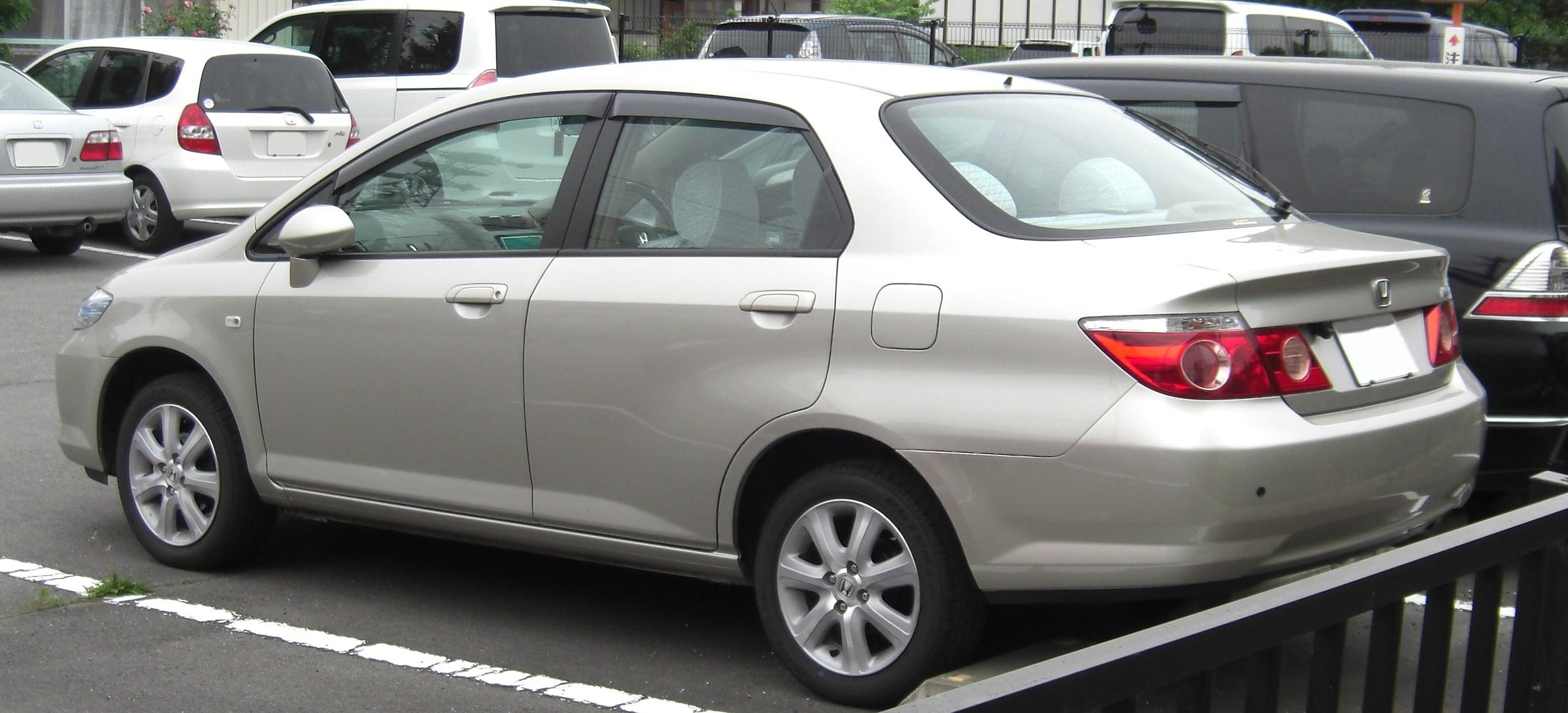 File 2005 2009 Honda Fit Aria Rear Jpg Wikimedia Commons